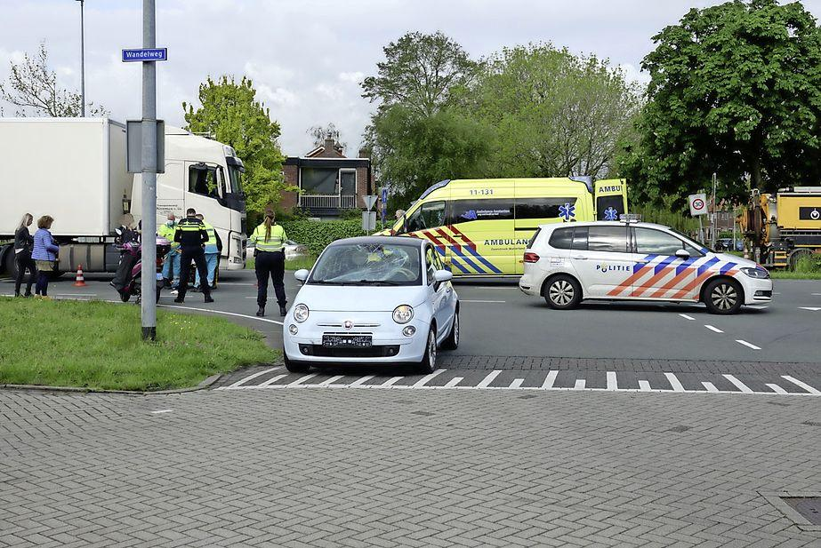 Fietser gewond bij harde botsing met auto in Wormerveer