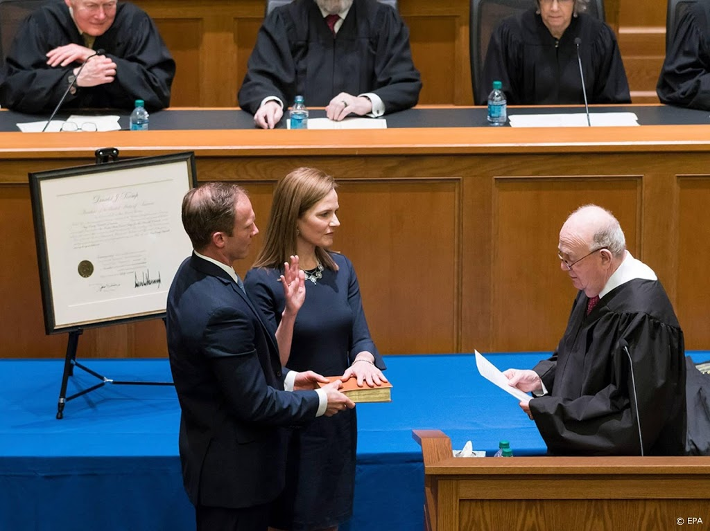 Tump nomineert Amy Coney Barrett als Lid Hoogerechtshof