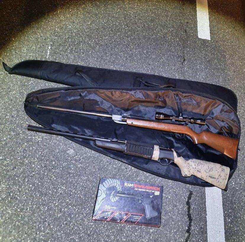Politie stuit op vuurwapens in Noordwijk en vat daarbij ook eigenaar in de kraag