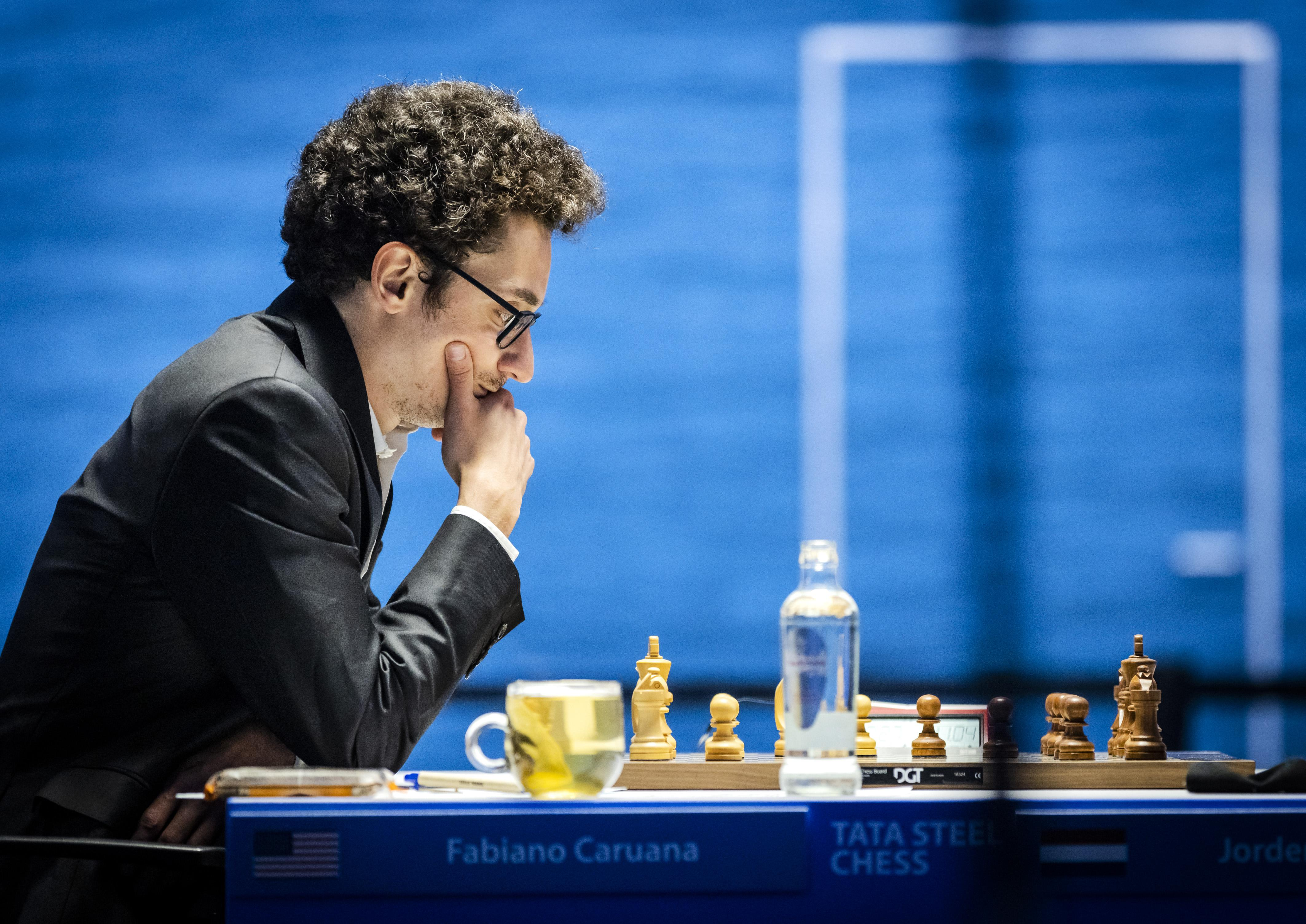 Wat viel Dimitri Reinderman in speelronde 2 van Tata Steel Chess op? Fabiano Caruana wint op briljante wijze