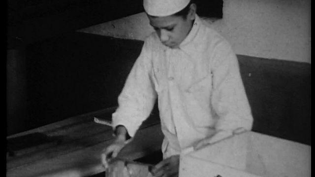 Bewegend Verleden: Chocoladeletters made in Haarlem, 1934 [video]