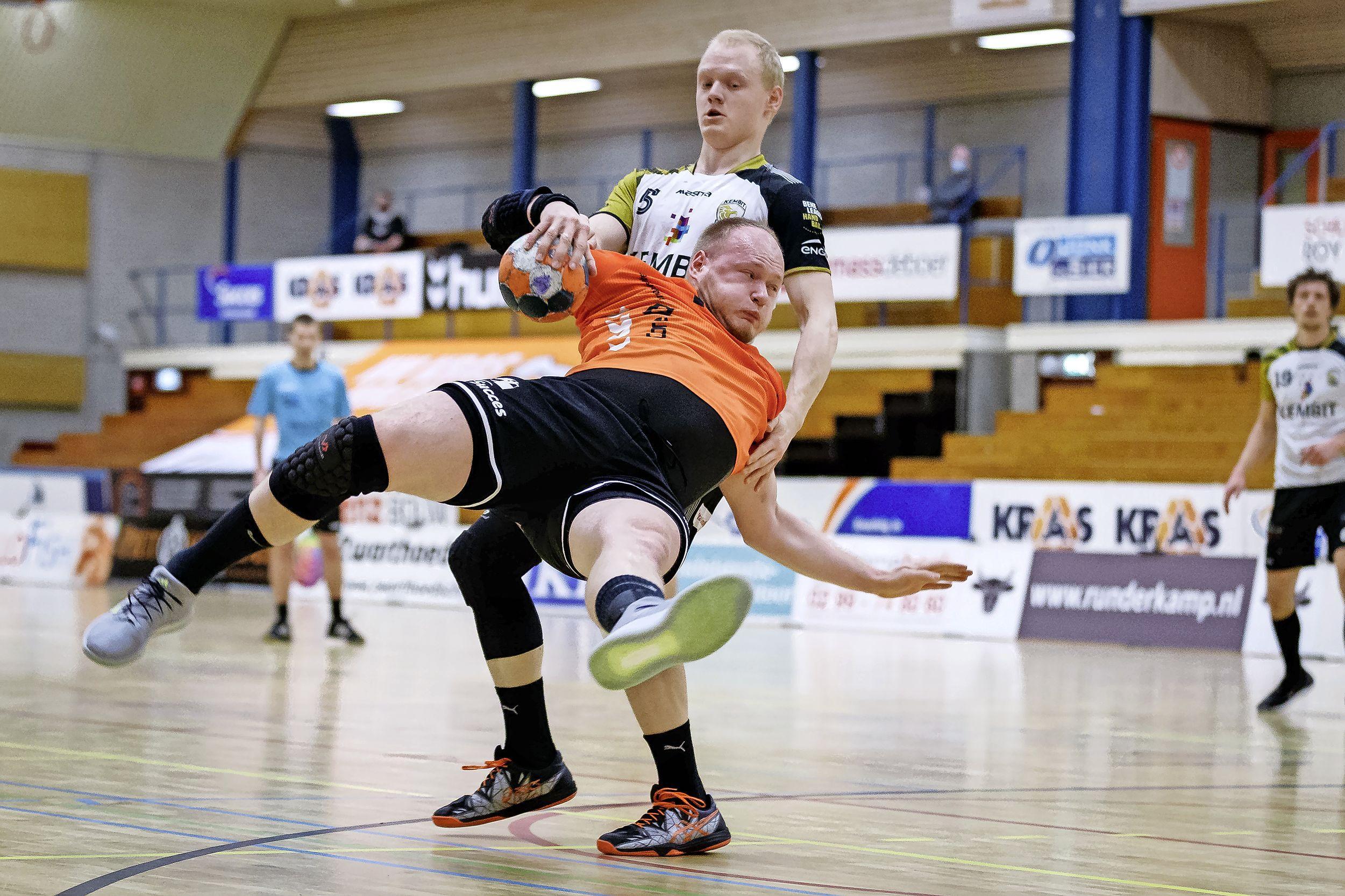 Handbalbroers Tim en Jeroen Roefs herenigd bij HV Volendam; Jorn Smits kiest voor nieuw Deens avontuur