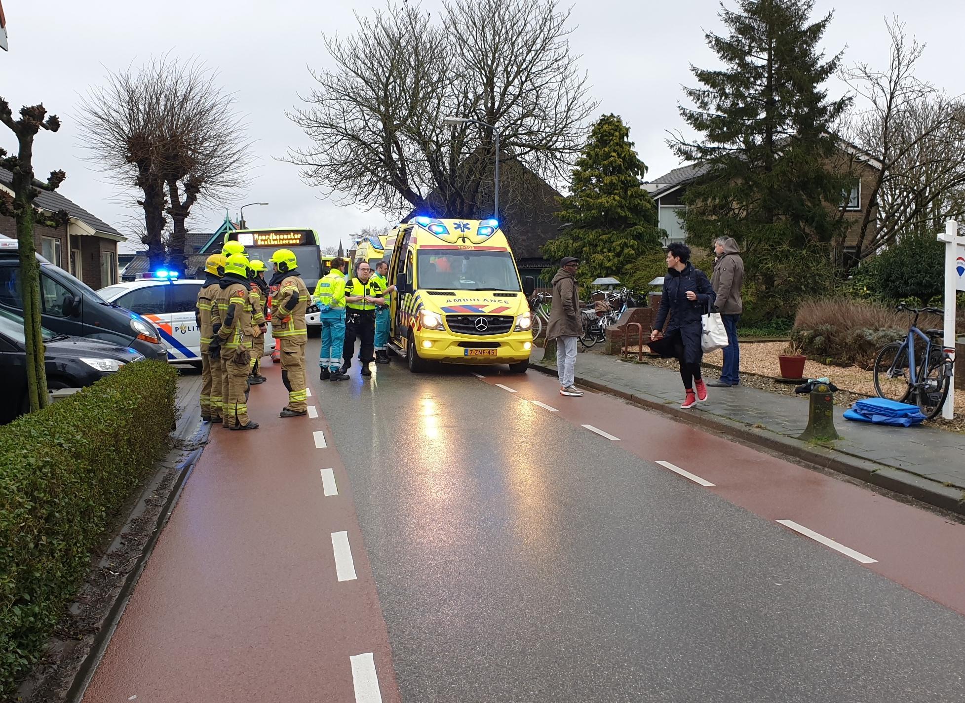 Ernstig ongeval met meisje op fiets en Connexxion-bus in Berkhout