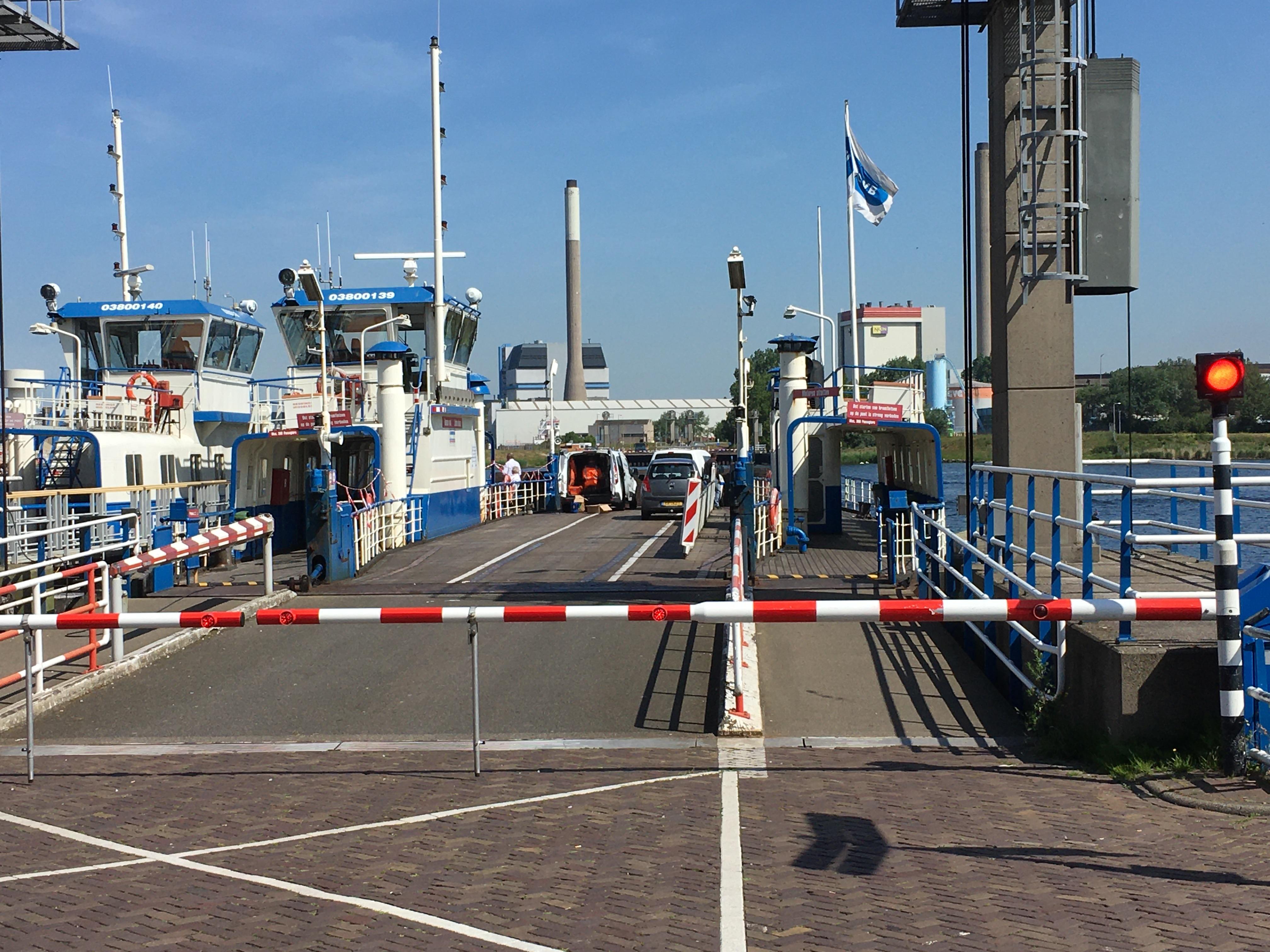 Velsense pont over Noordzeekanaal weer paar uur uitgevallen