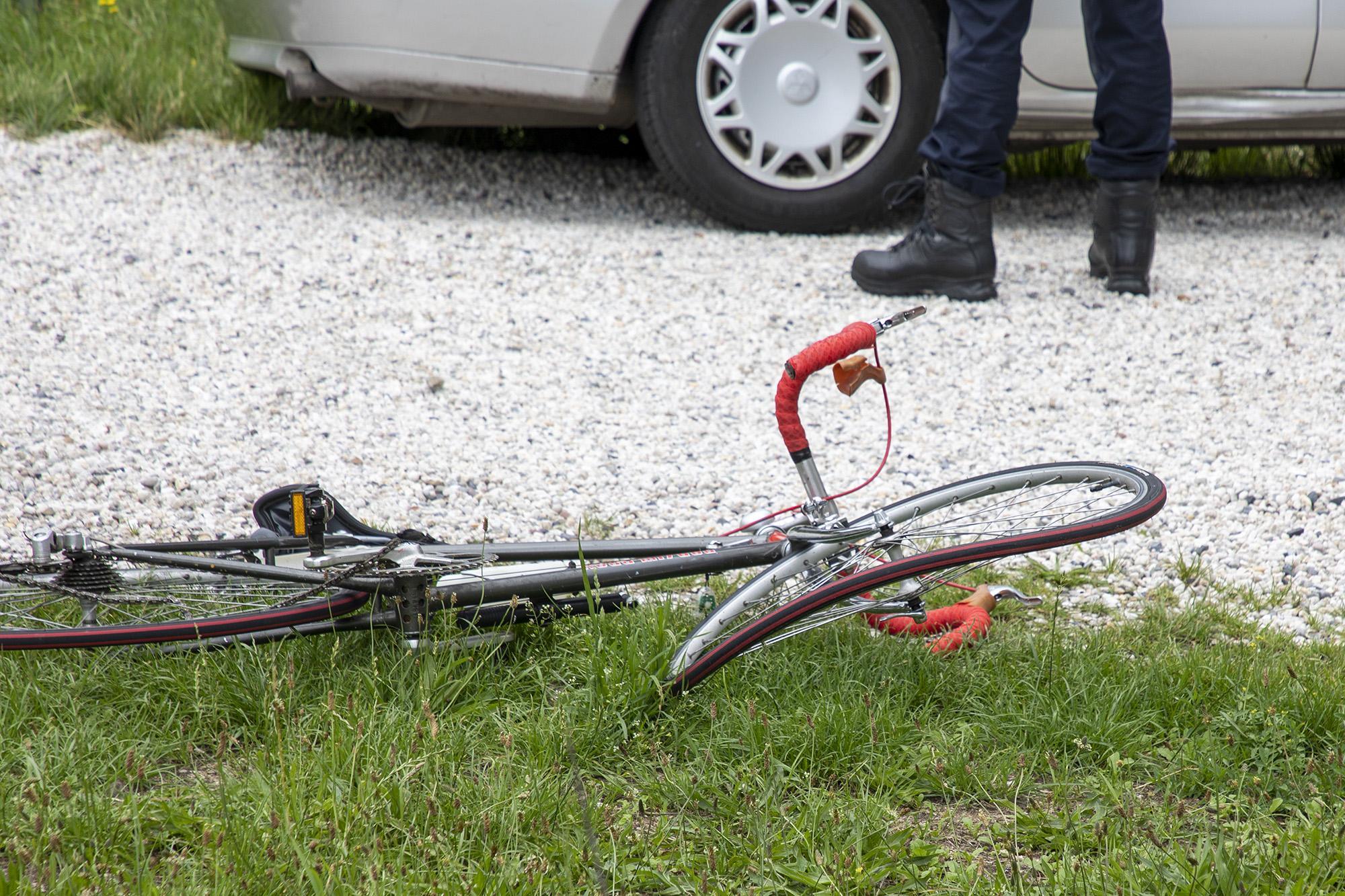 Wielrenner raakt gewond bij botsing met auto in Overveen