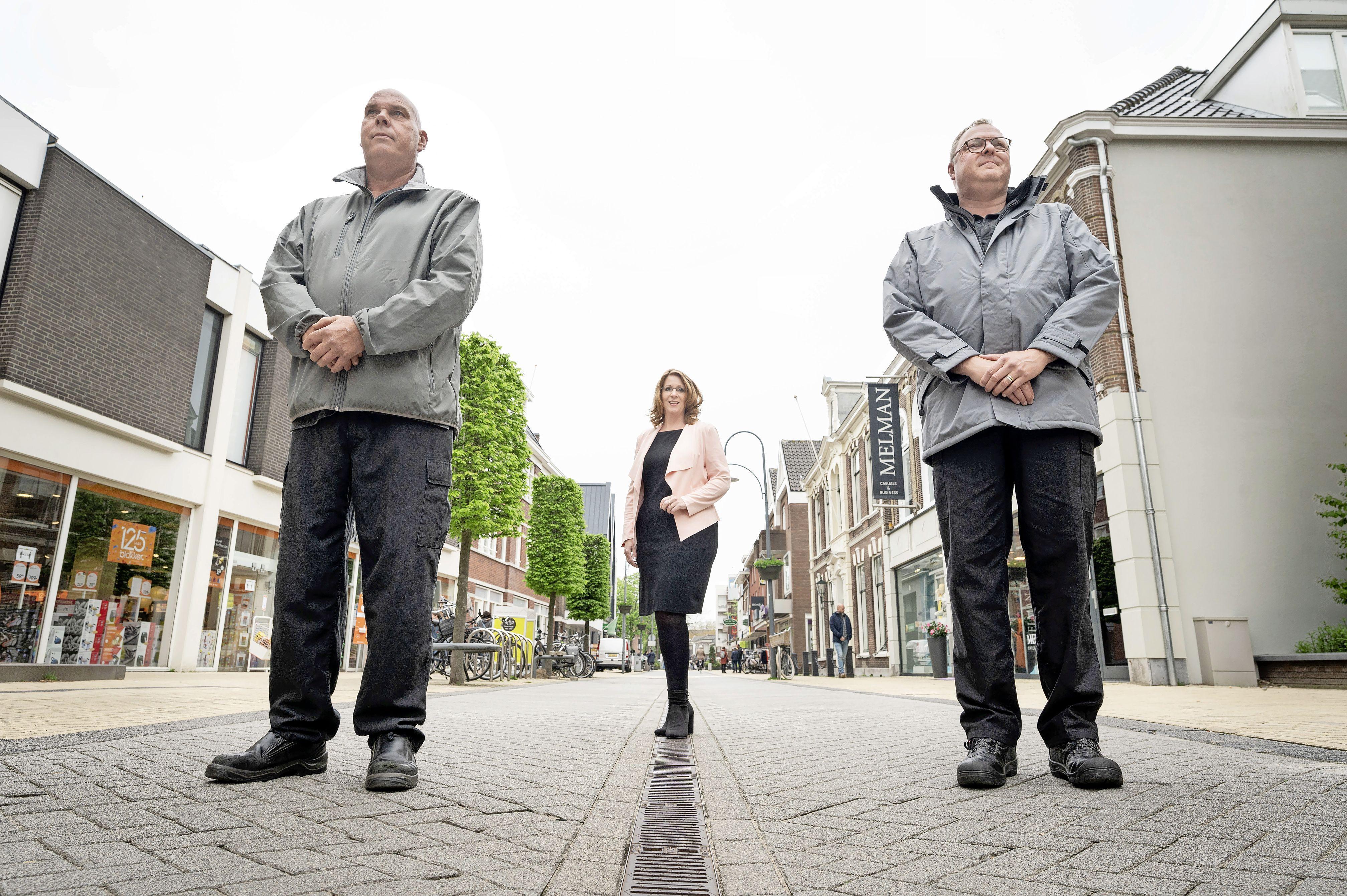 Sfeerbeheerders zorgen voor naleving coronamaatregelen in centrum van Sassenheim