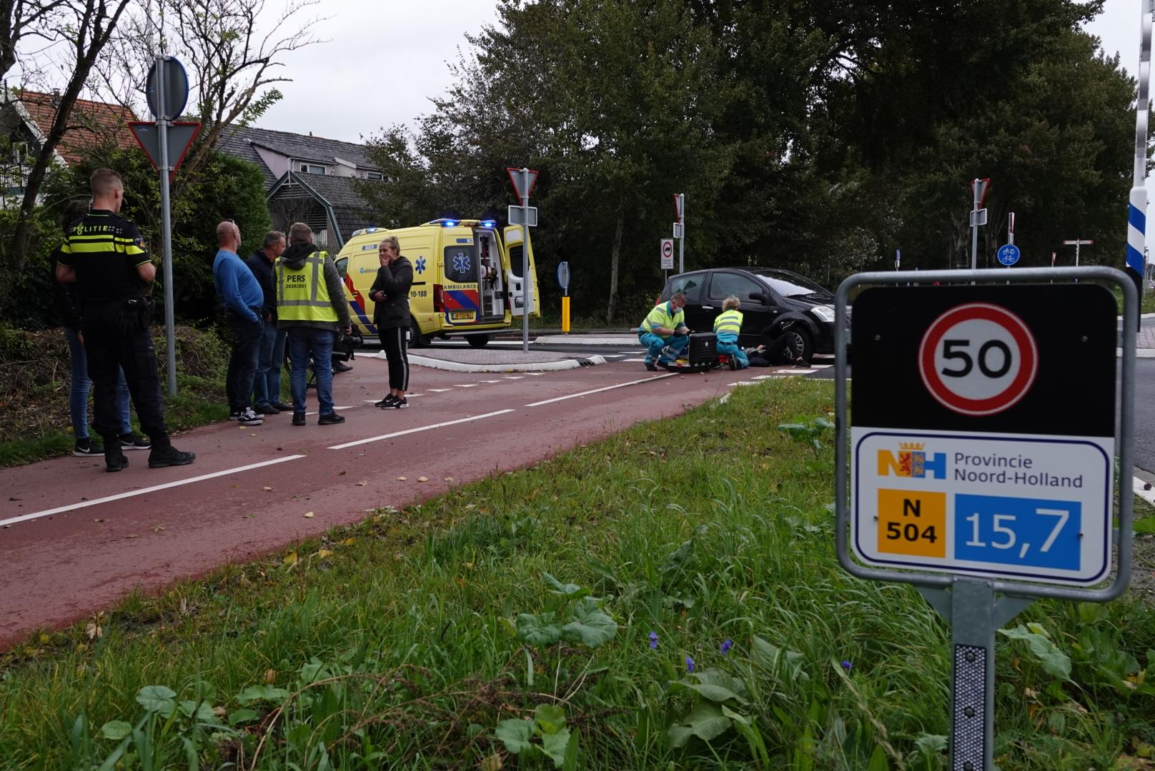 Fietsster gewond bij aanrijding met auto in Noord-Scharwoude