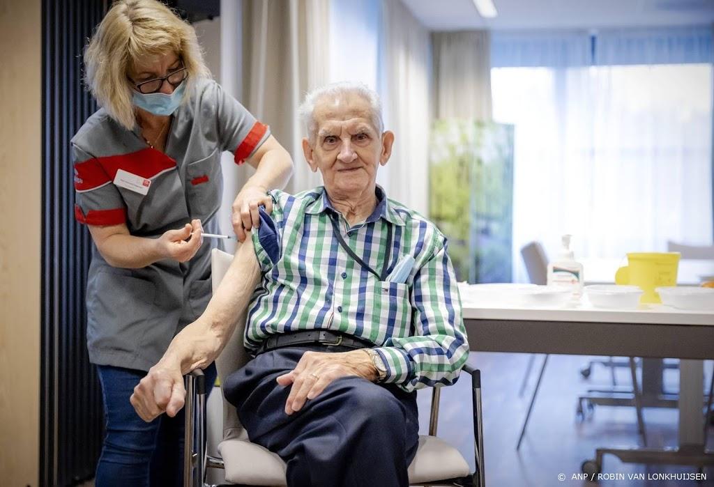 RIVM: coronavaccinatie thuiswonende ouderen is zeer effectief