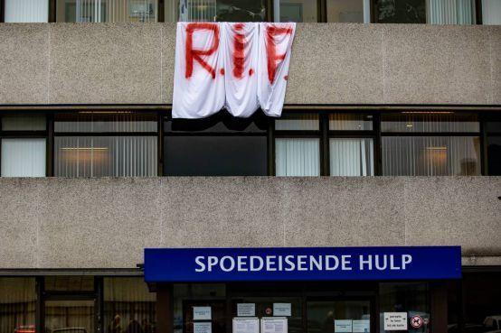 Actie in Leiden voor behoud failliete ziekenhuizen