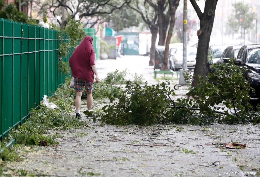 Doden en miljoenen huizen zonder stroom in VS door zware storm