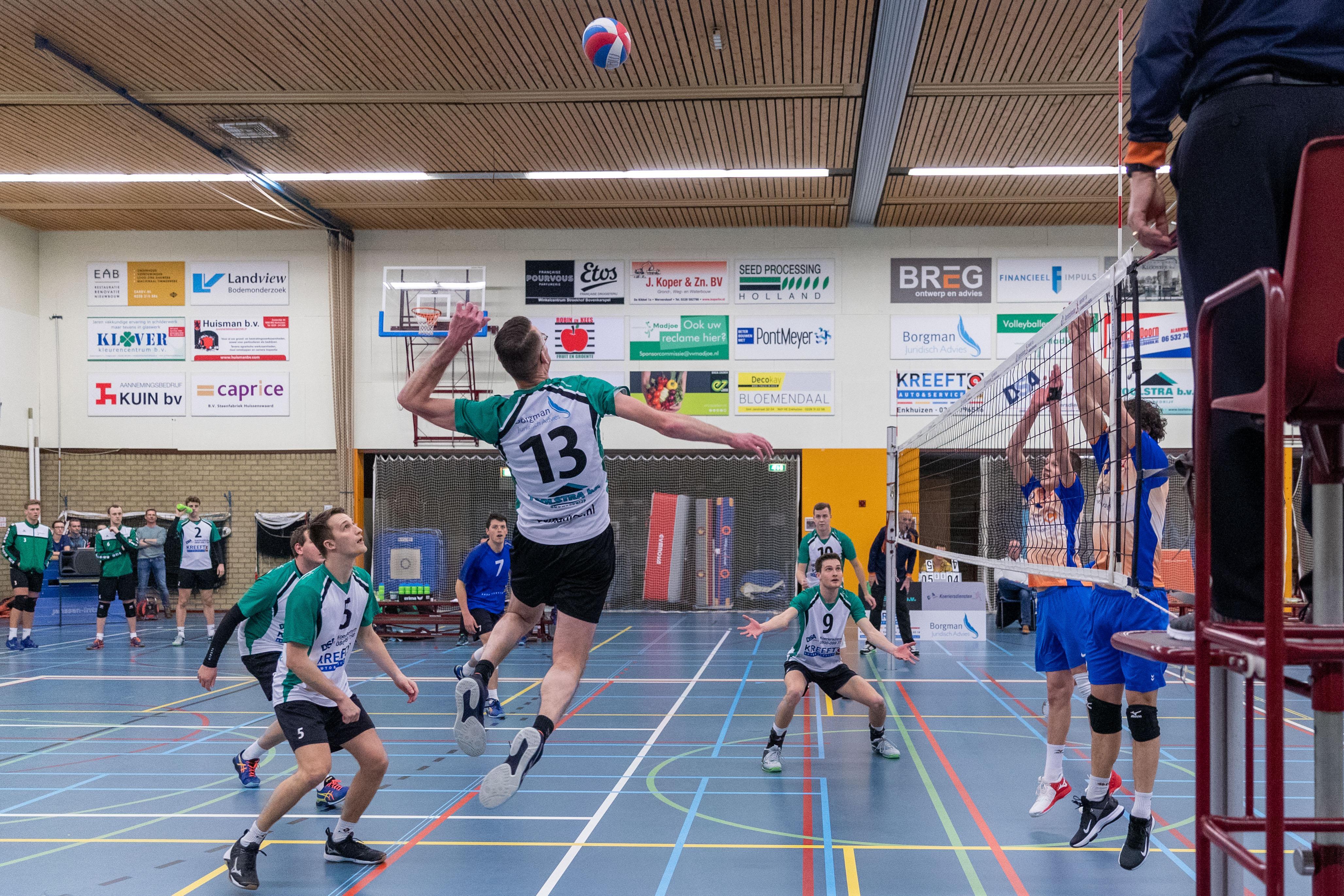 Madjoe mag het toch een niveau hoger laten zien: volleyballers promoveren naar de eerste divisie