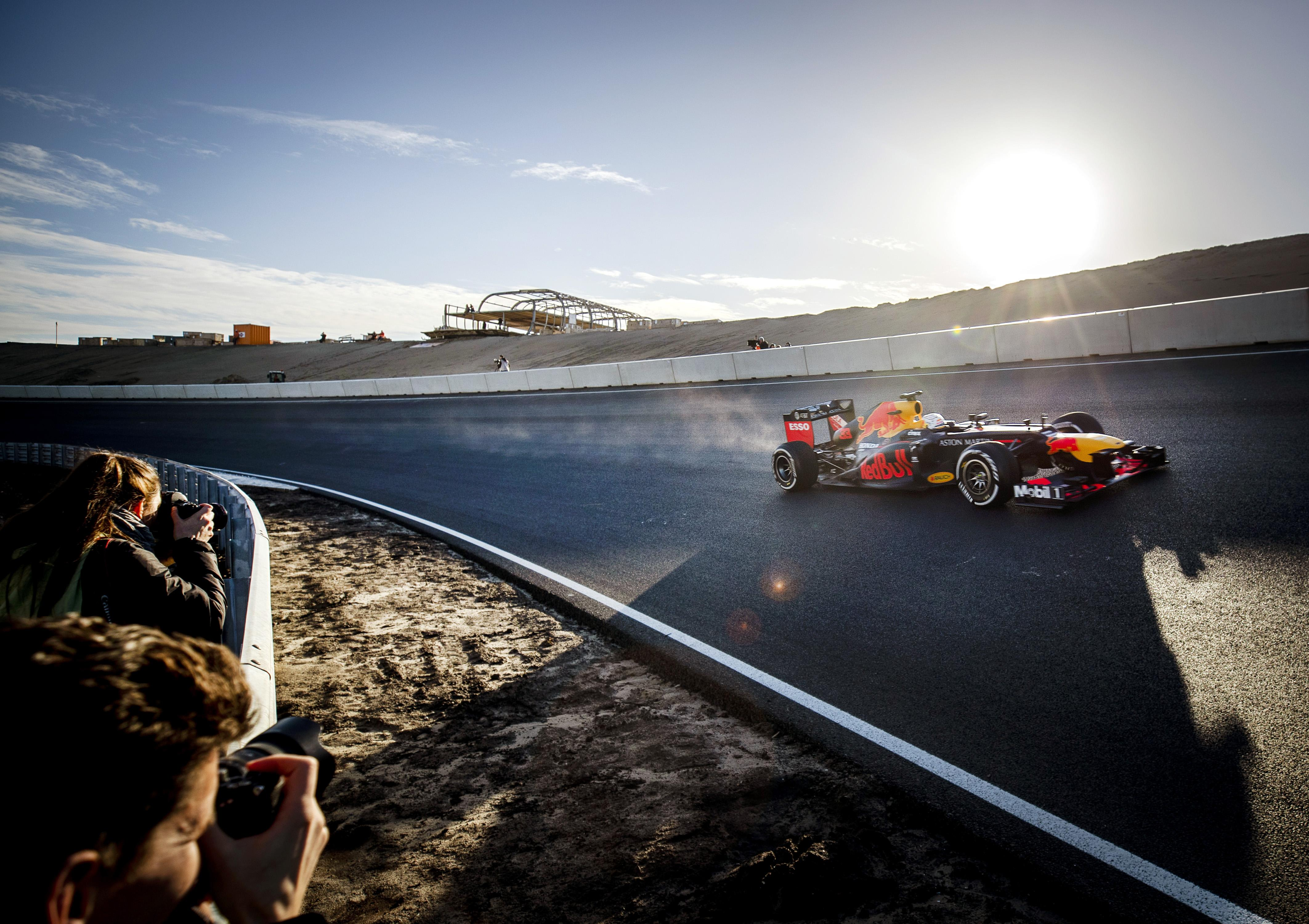 Janken van geluk op Circuit Zandvoort, met dank aan Max Verstappen
