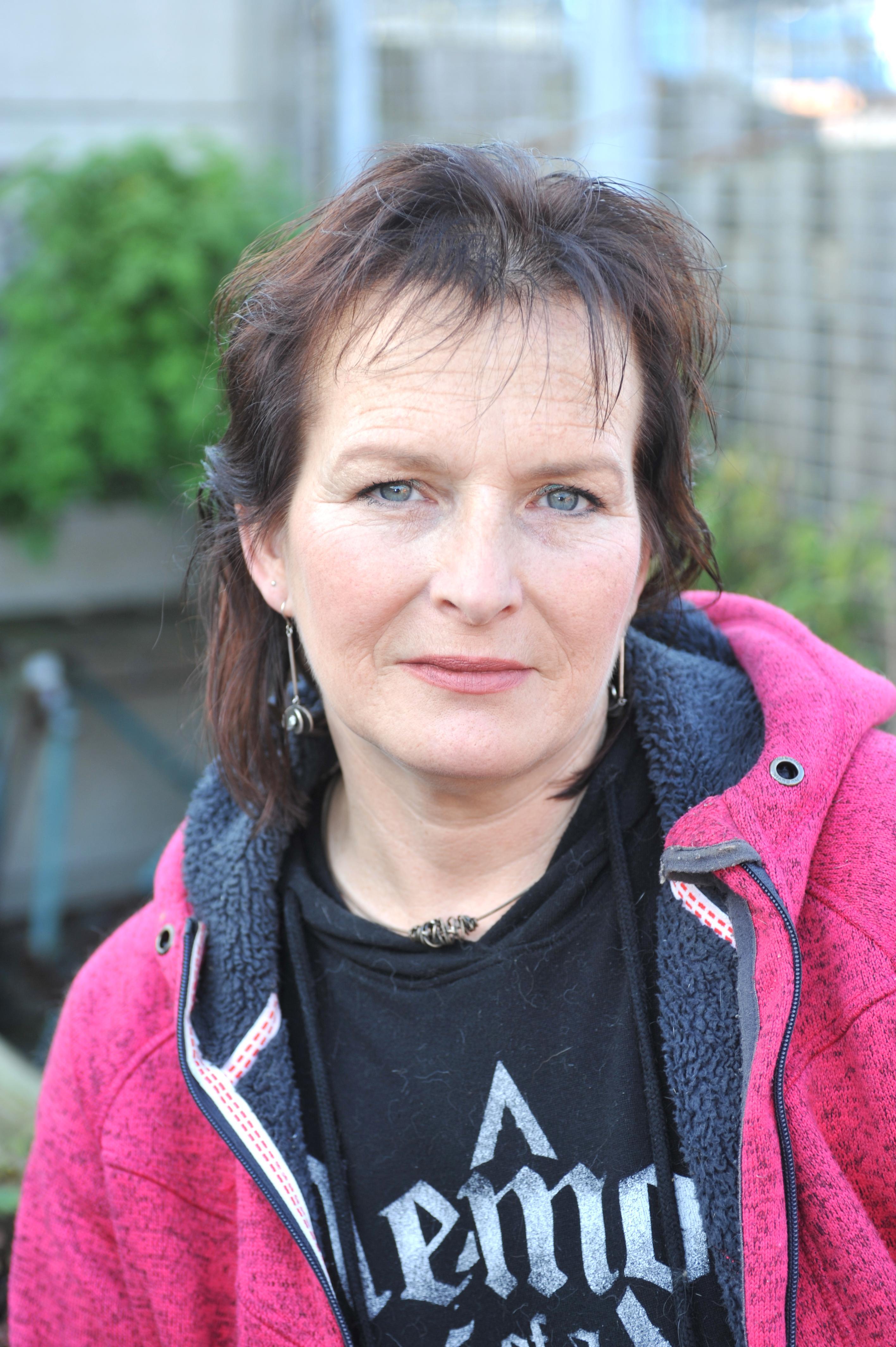 Marya Dekker uit Velsen-Noord knokt verder, met pijn in het hart: nieuwe bisschop trapt op rem bij nasleep misbruikzaak