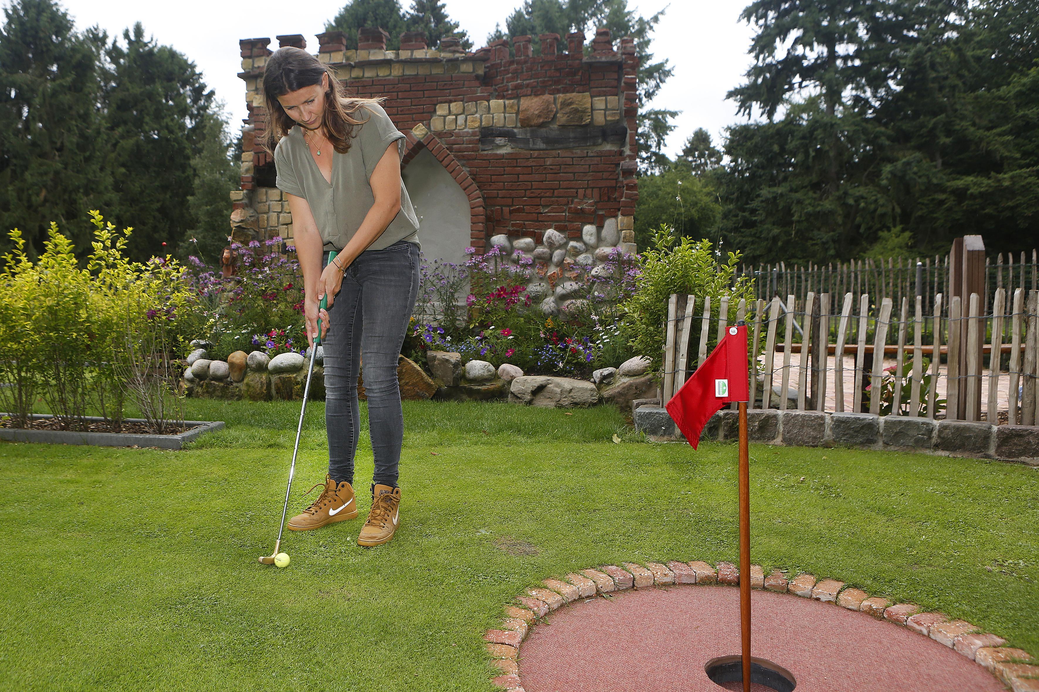 Golfbanen mogen weer open, maar hoe zit het dan eigenlijk met de midgetgolfbaan in Lage Vuursche?