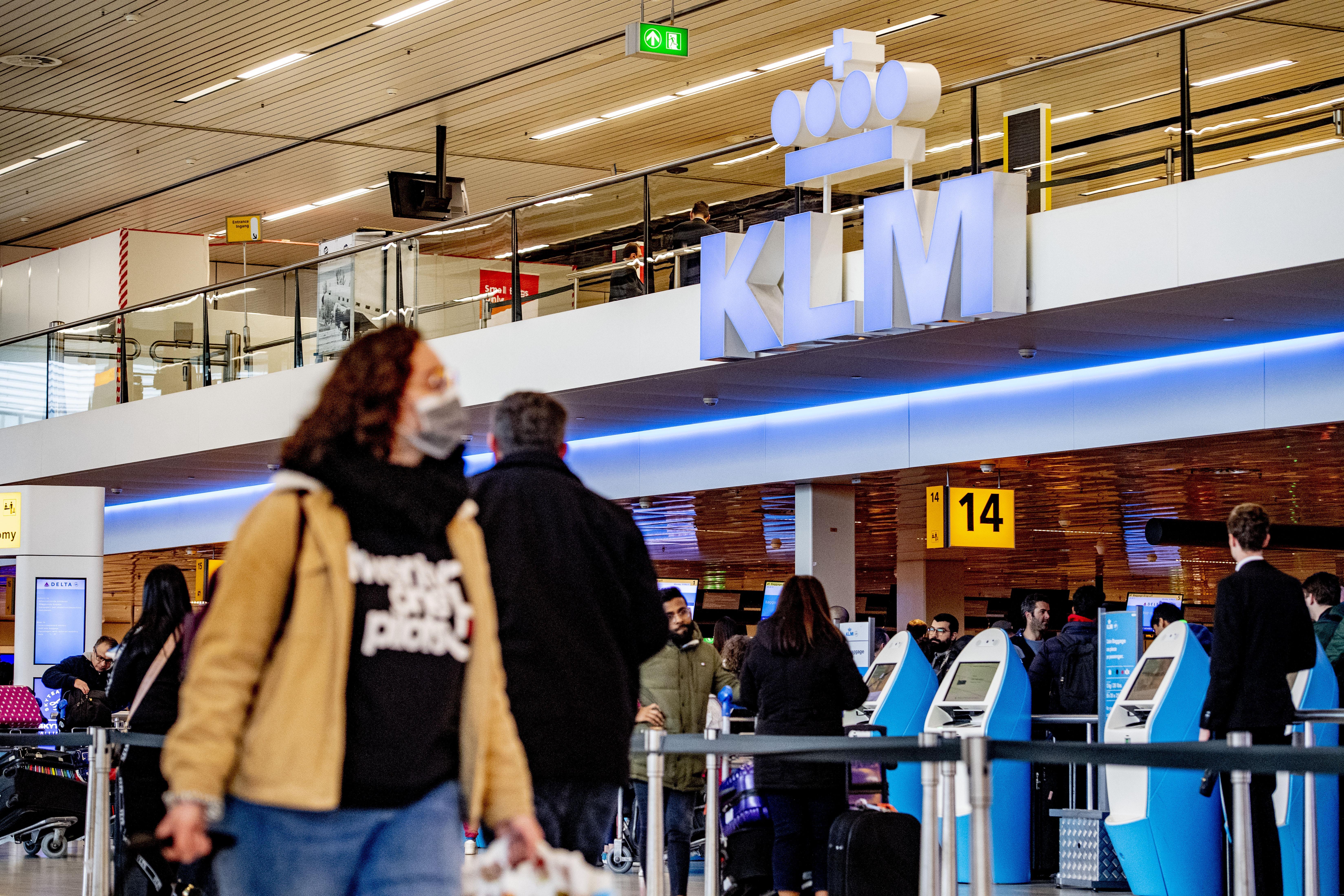 'Drukte op Schiphol in zomervakantie wordt wennen, maar is beheersbaar'