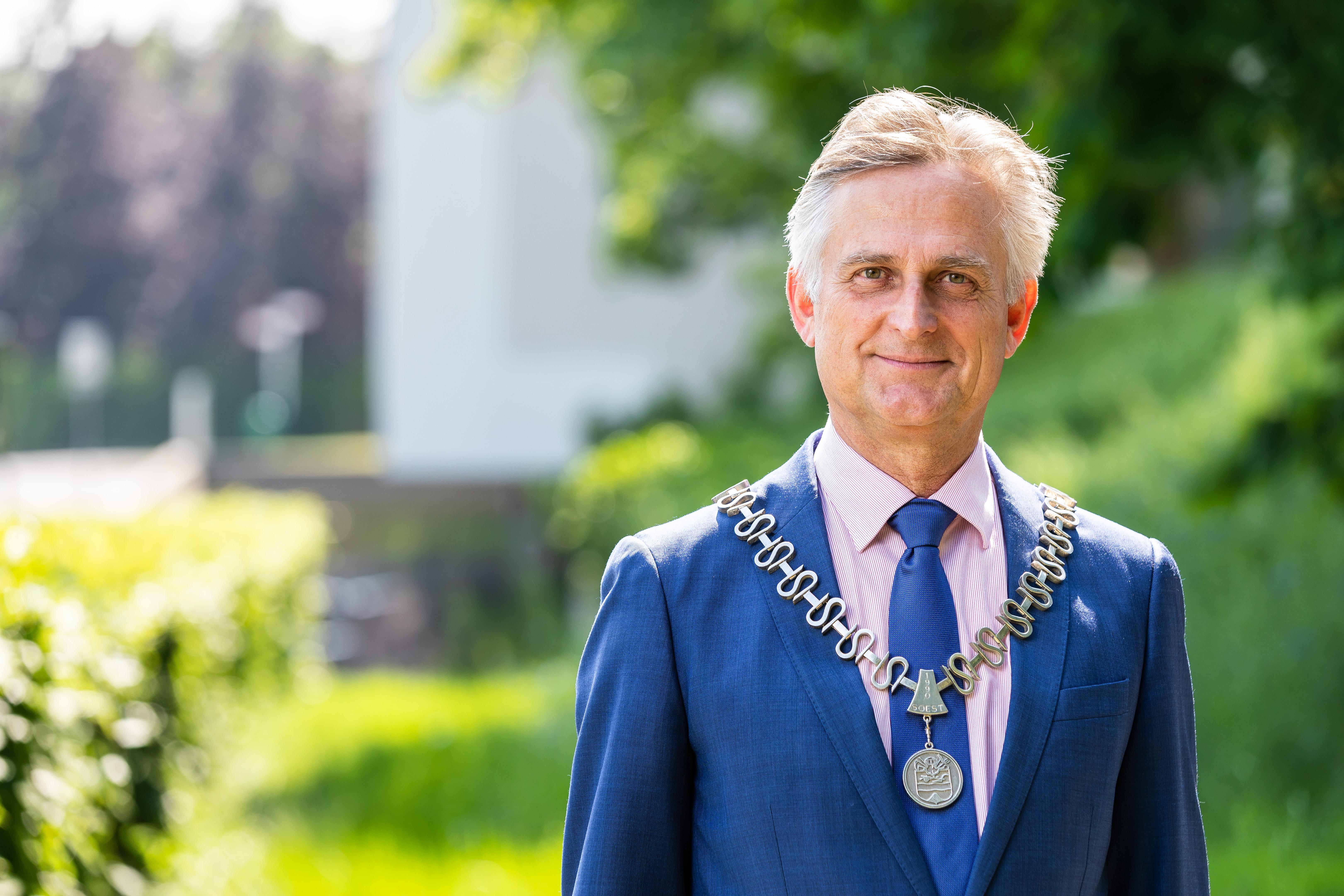 Burgemeester Rob Metz meldt eerste Soester coronadode van de tweede golf; 'Beperk alsjeblieft je sociale contacten, het is de enige manier om de curve weer naar beneden te krijgen'