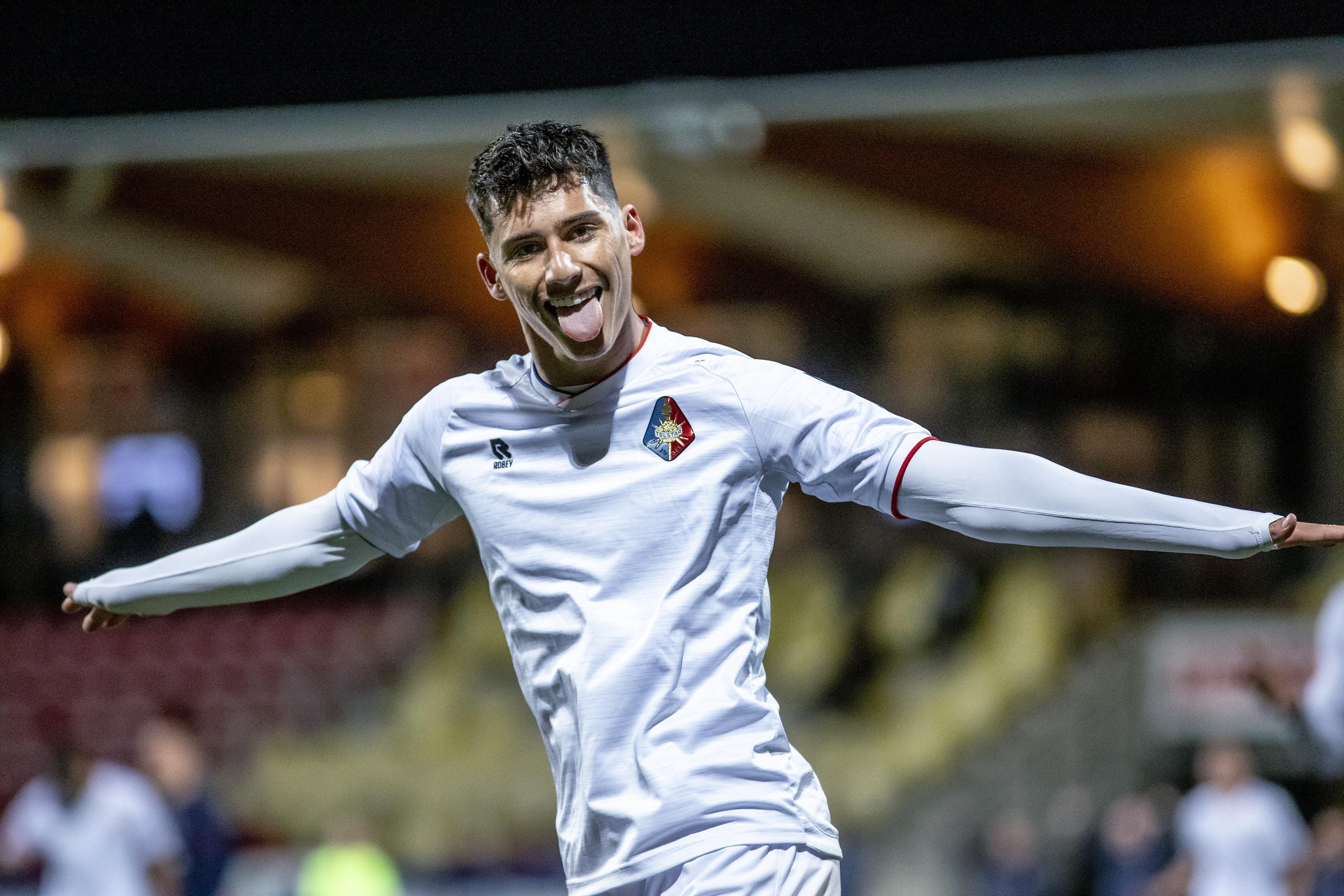 Sebastian Soto (Telstar) kende een droomdebuut voor de Verenigde Staten met twee doelpunten, maar is alweer bezig met FC Dordrecht thuis: 'Gek hoe mijn brein werkt'
