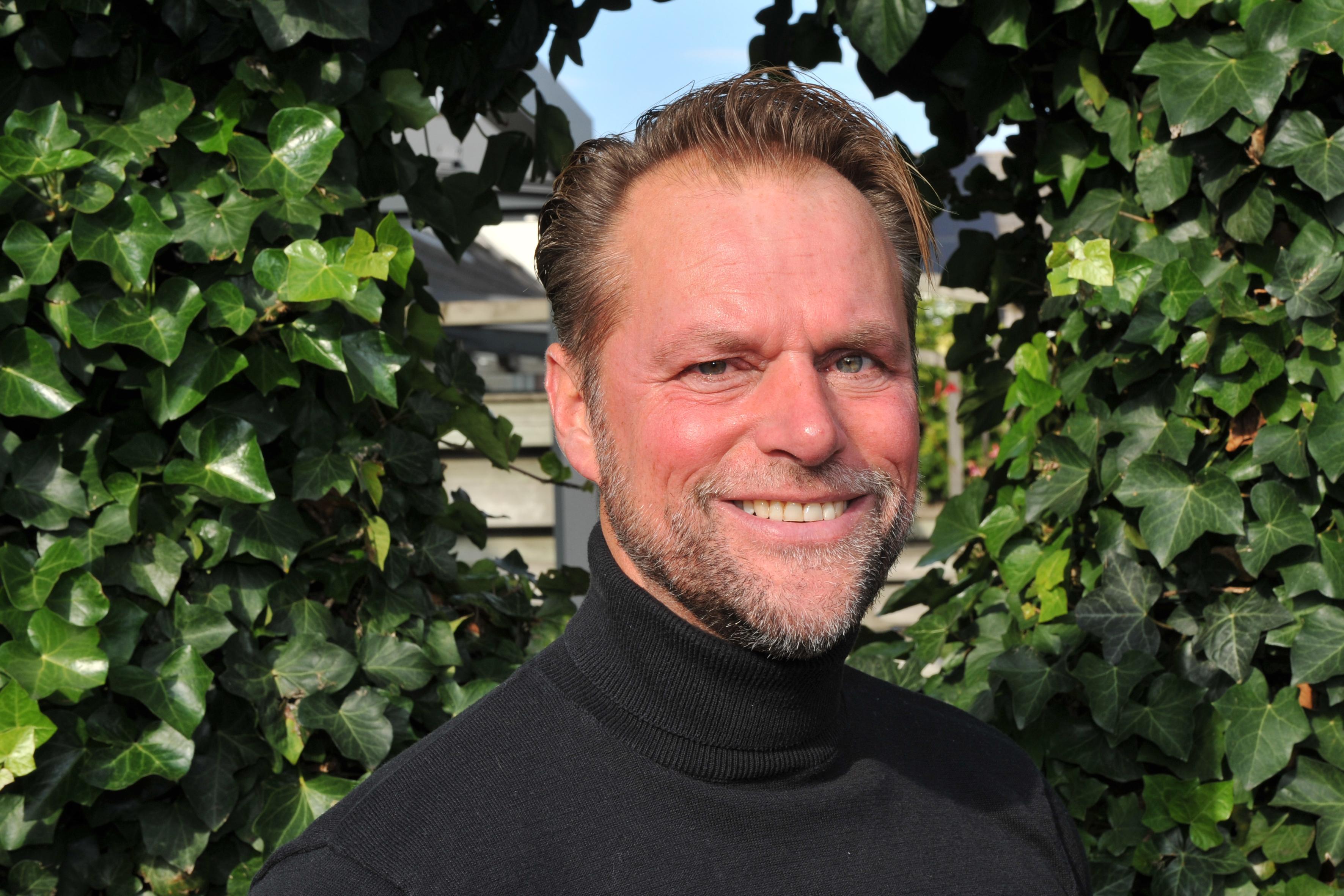 Robert-Jan Doves (50) keert dankzij zijn dochter weer langzaam terug in het korfbal: 'Ik besef nu wat ik gemist heb'