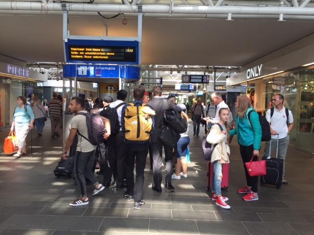 Treinen van en naar Leiden rijden weer na grote storing [update]
