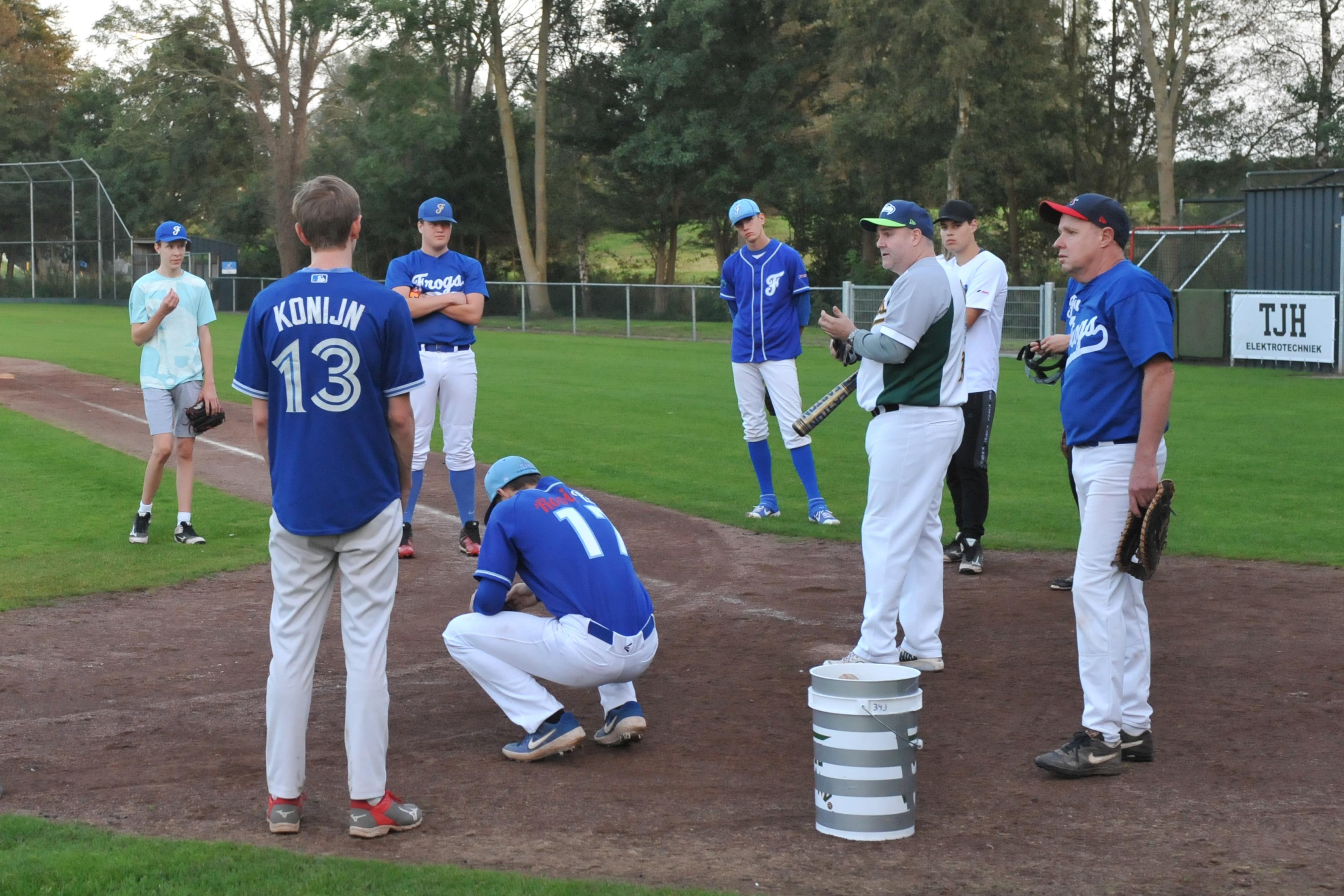 Zaandamse honkbalclub Odiz Frogs komt beter dan verwacht uit coronacrisis en wil met veel jeugd naar hoger niveau