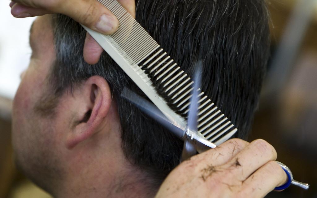 Purmerendse kapper gewaarschuwd voor doorknippen tijdens lockdown