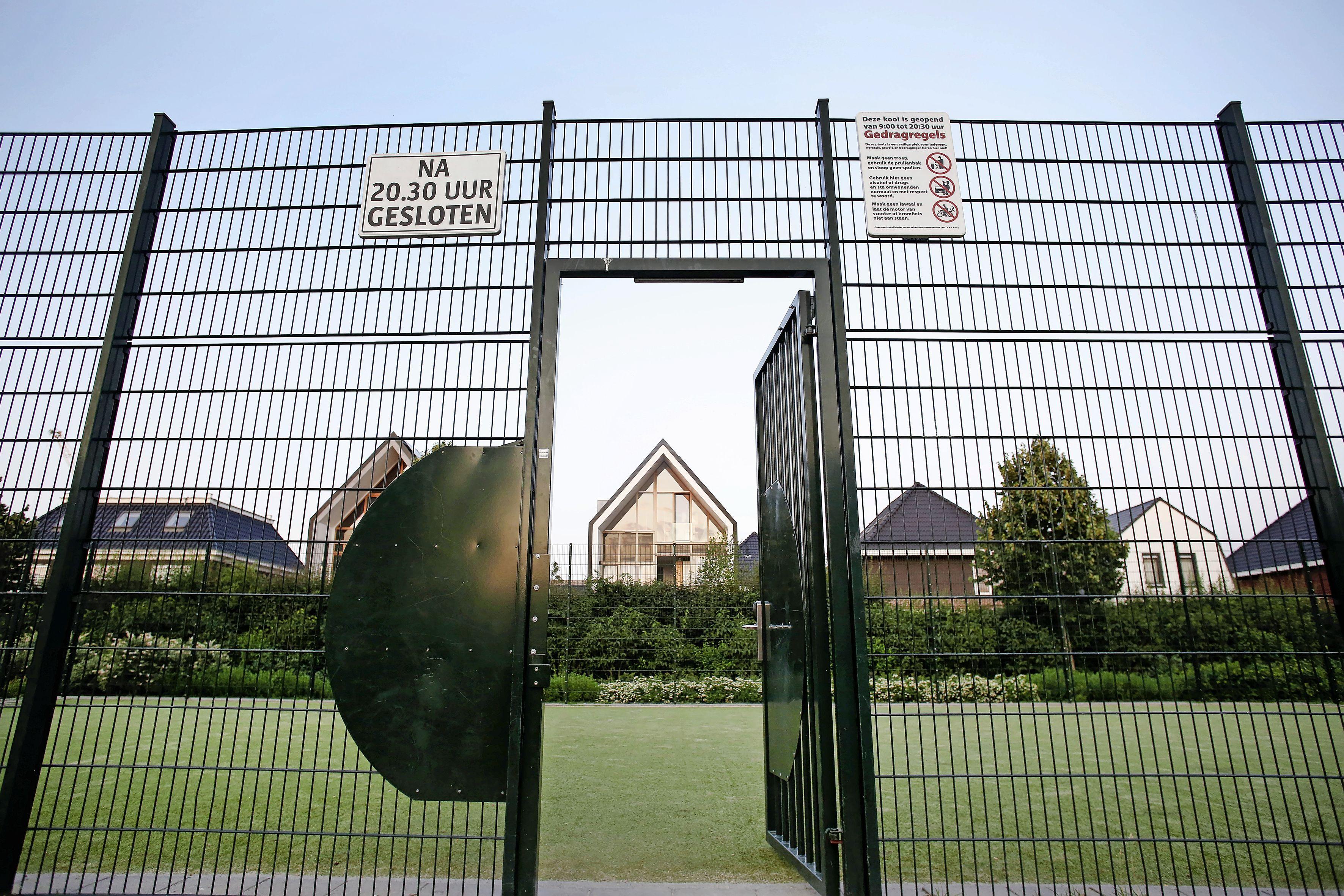 Voetbalkooi weg: de ene helft van de buurt is dolblij, de andere helft baalt verschrikkelijk