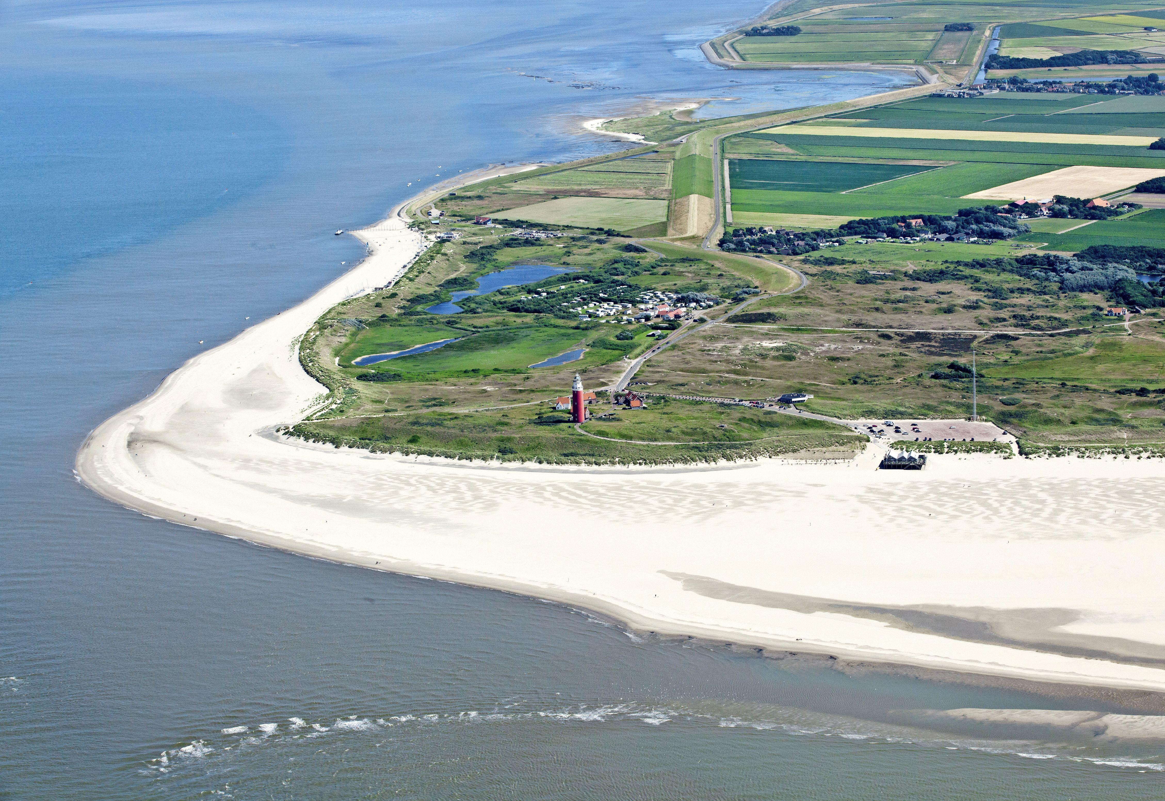 Vrienden of familie in huis als je op vakantie bent? Moet kunnen, vindt de rechter. Maar hoe controleert Texel nu of dat geen illegale verhuur aan toeristen is?