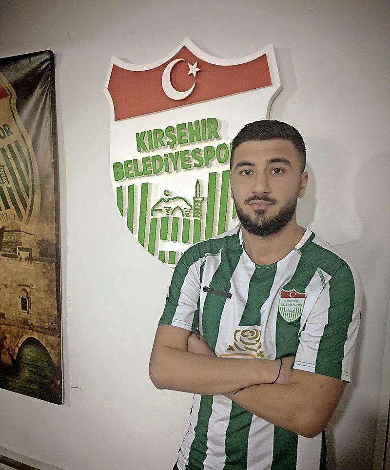 Alkmaarder Ahmet Kutlu (19) maakt transfer van Kolping Boys naar Turkse profdivisie 2. Lig. 'Je moet dus nooit opgeven'