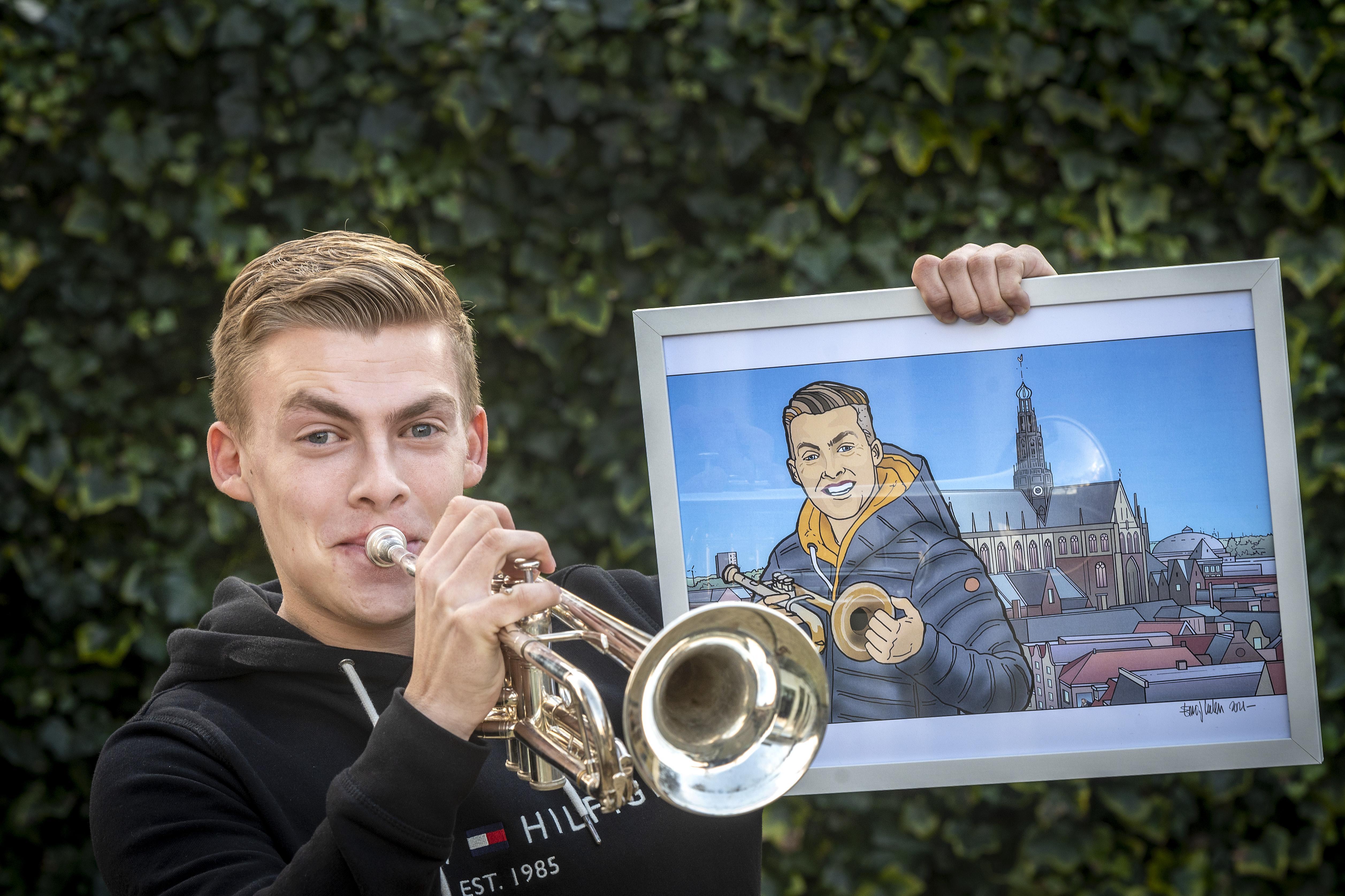 Trompettist Jeffrey Parmentier is Persoon van het Jaar 2020: 'Ik blijf spelen bij verzorgingshuizen' [video]