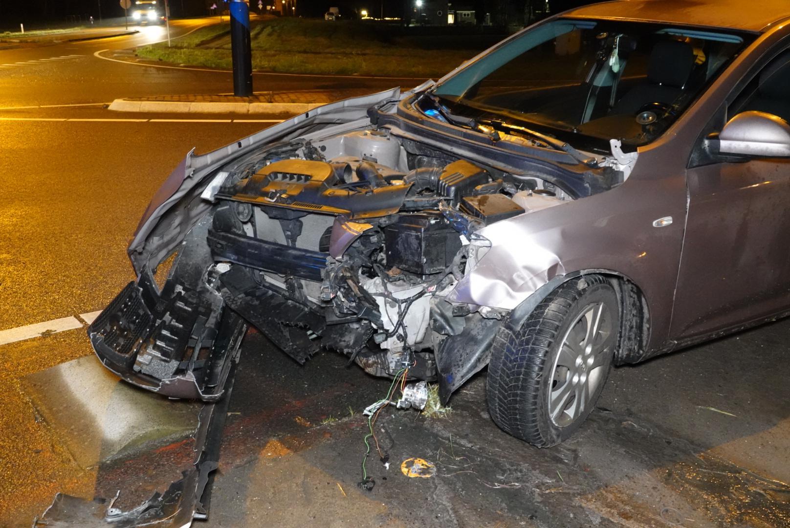 Vrouw gewond bij botsing tussen twee voertuigen in Middenmeer