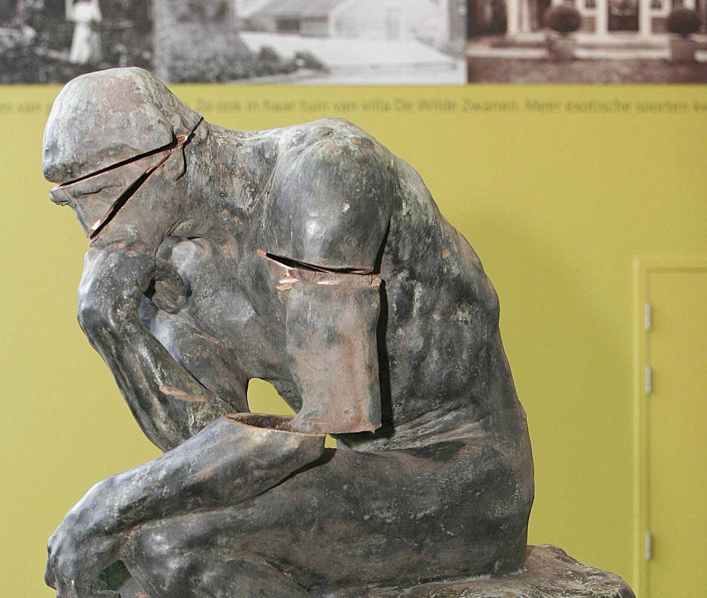 Tja, hoe beveilig je nu een bronzen beeld? De inzichten van deskundigen lopen uiteen