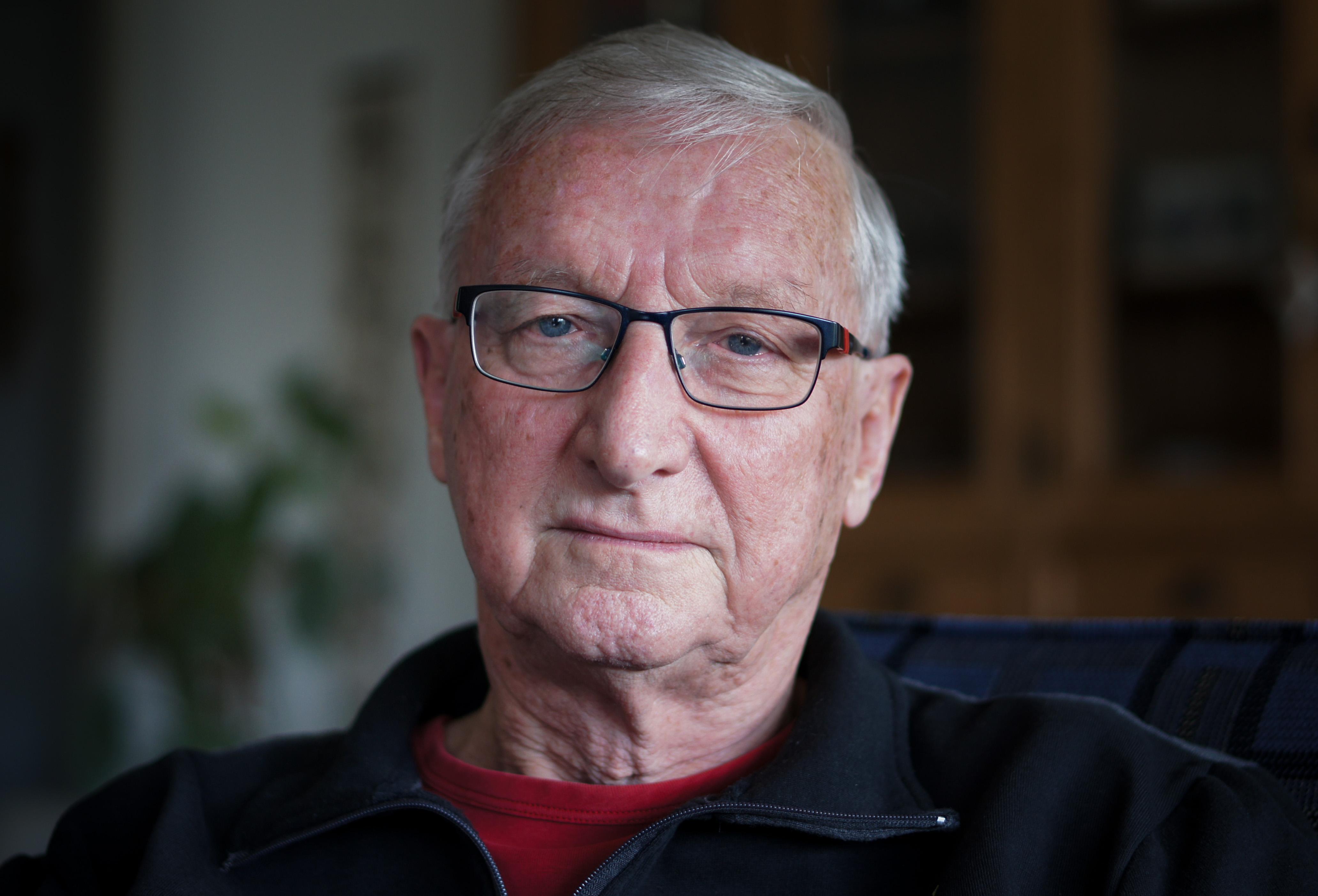 Rob Stolker ging in de oorlog als broodmager ventje mee op hongertocht: 'Een man pikte een zakje tarwe van onze fiets. De wanhoop was onbeschrijflijk' [video]