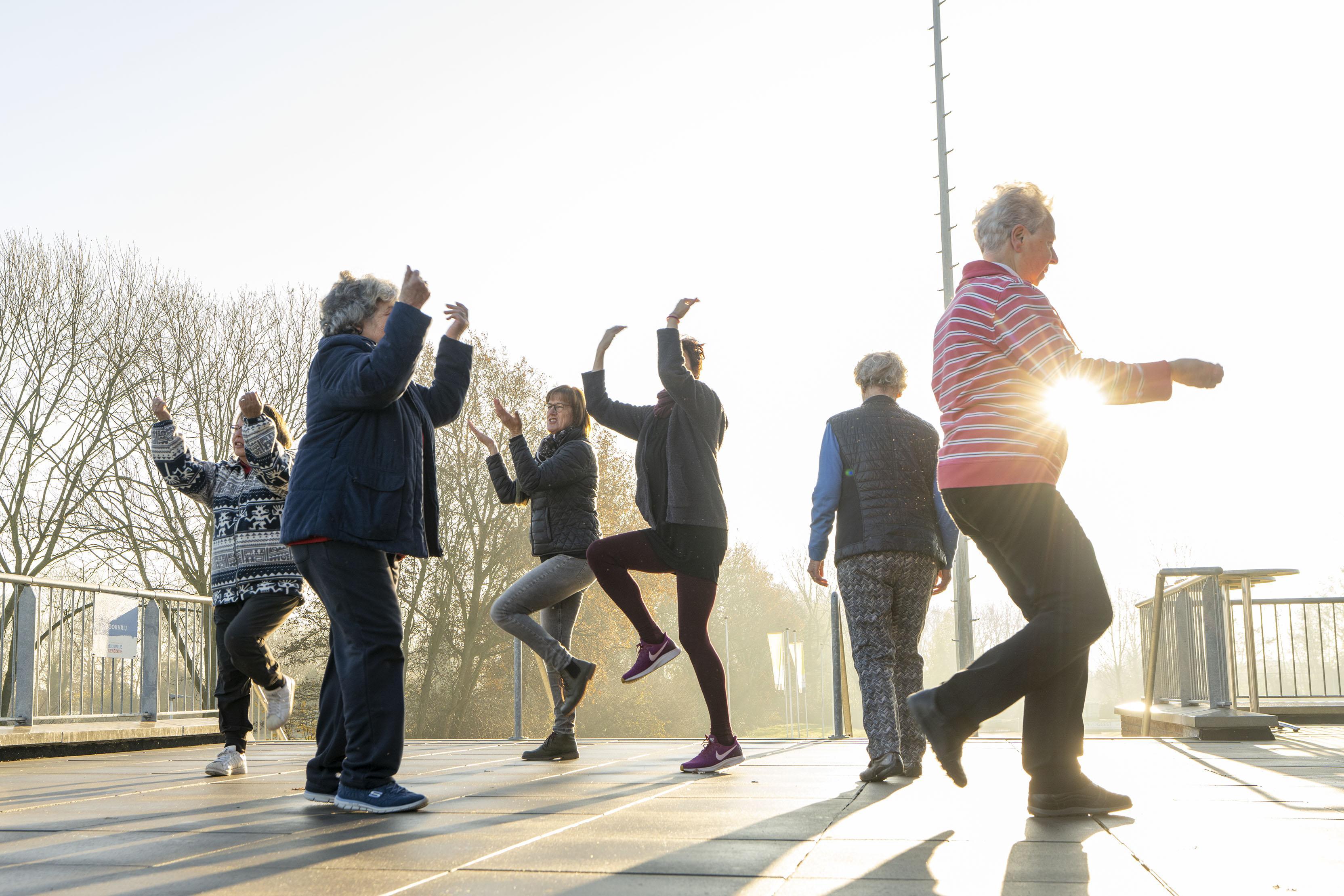 Clubhuis De Derde Helft introduceert wandelkorfbal in Leiderdorp