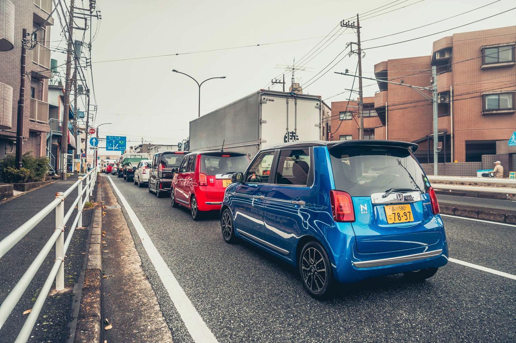 Japanse Kei-car scoort hier niet, hij is te klein en te lelijk en te onveilig