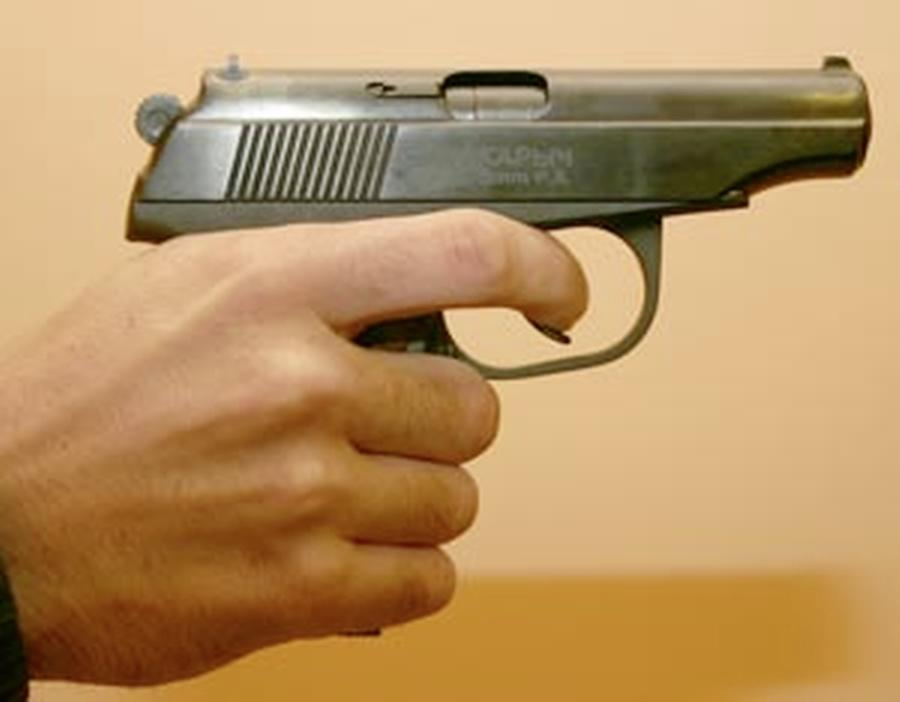 Slachtoffers van gewelddadige woningoverval in Heerhugowaard stonden doodsangsten uit. Vastgebonden, bedreigd en mishandeld. Van de vijf gewapende daders heeft politie er nog geen een te pakken
