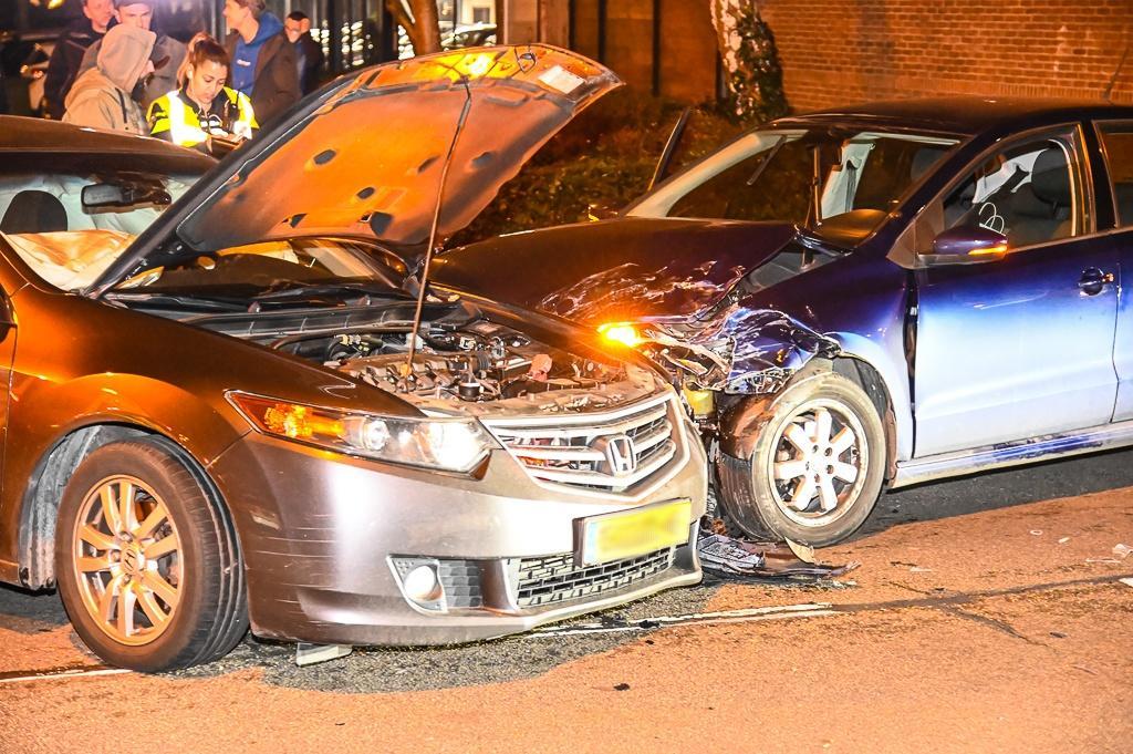 Man gewond bij auto-ongeluk in Beverwijk