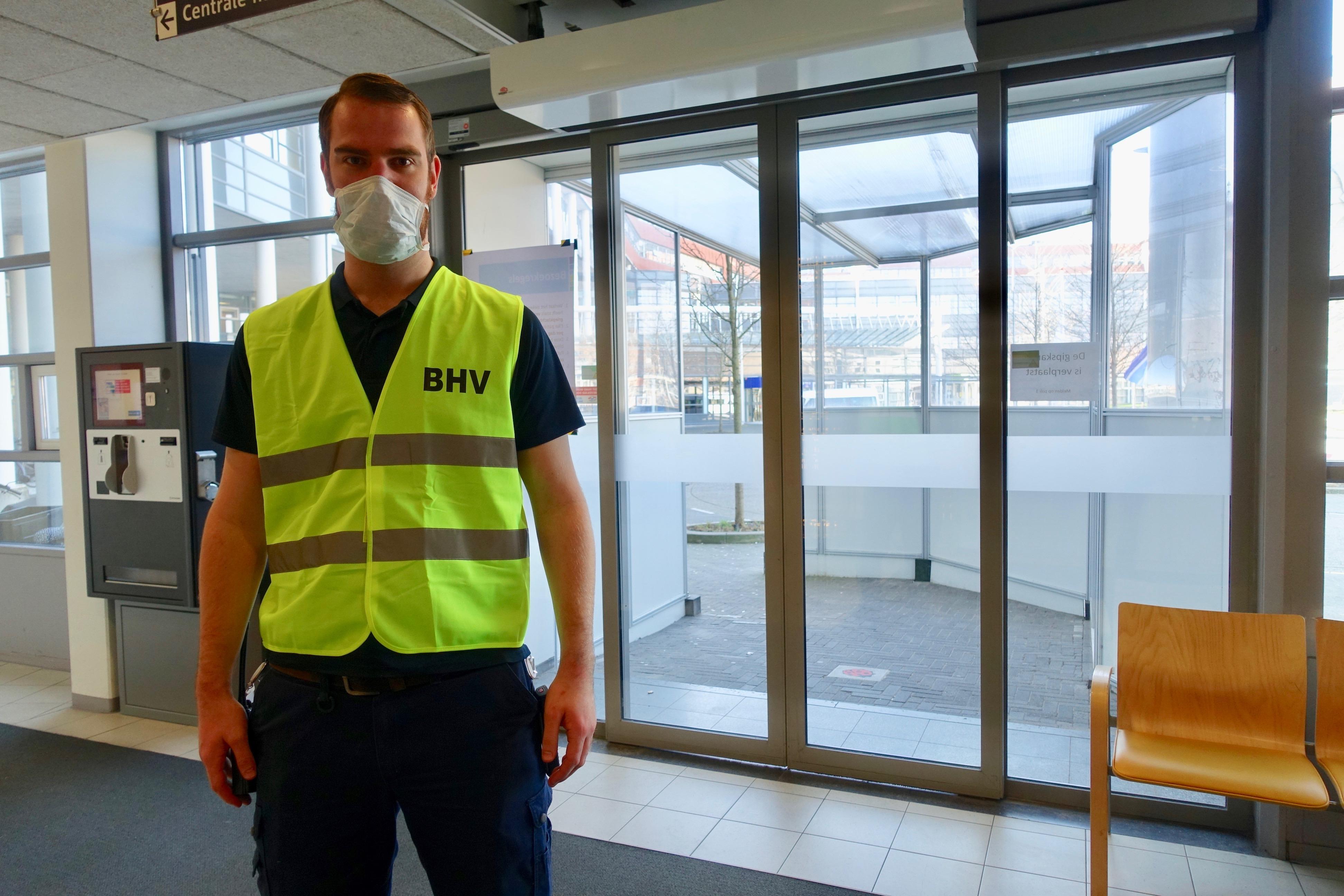 Bewaking van Dijklander Ziekenhuis Hoorn is nu vooral alert op corona