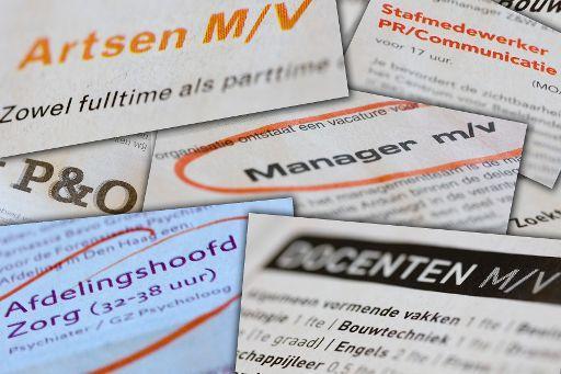 Nederlandse arbeidsmarkt staat stevig in zijn schoenen, maar werknemers en werkgevers worden wel voorzichtiger door coronacrisis