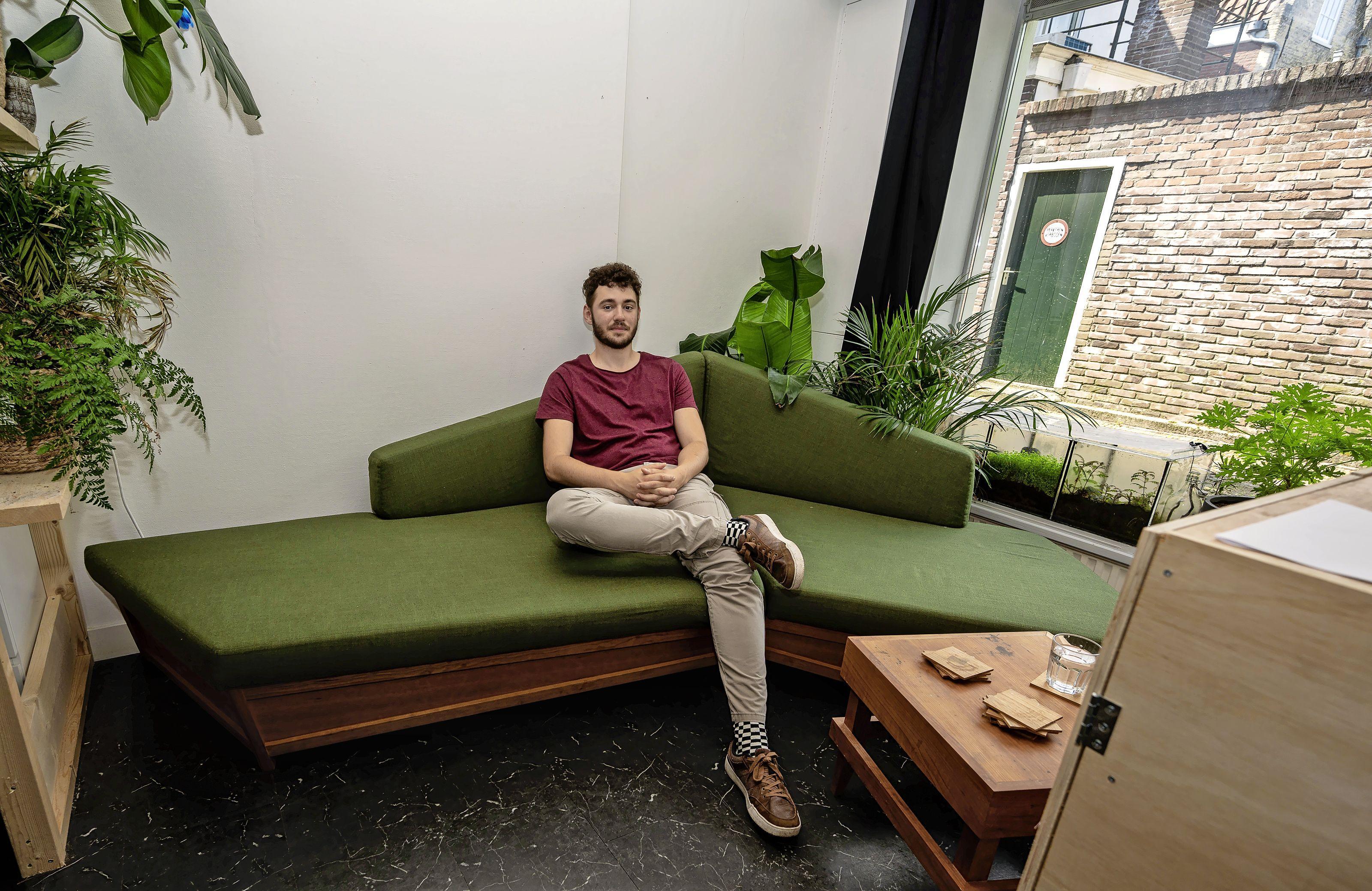 Een bank geïnspireerd op een landschap; jonge Edamse designer Madee Doets oogst lof met zijn eigenzinnige zitmeubel