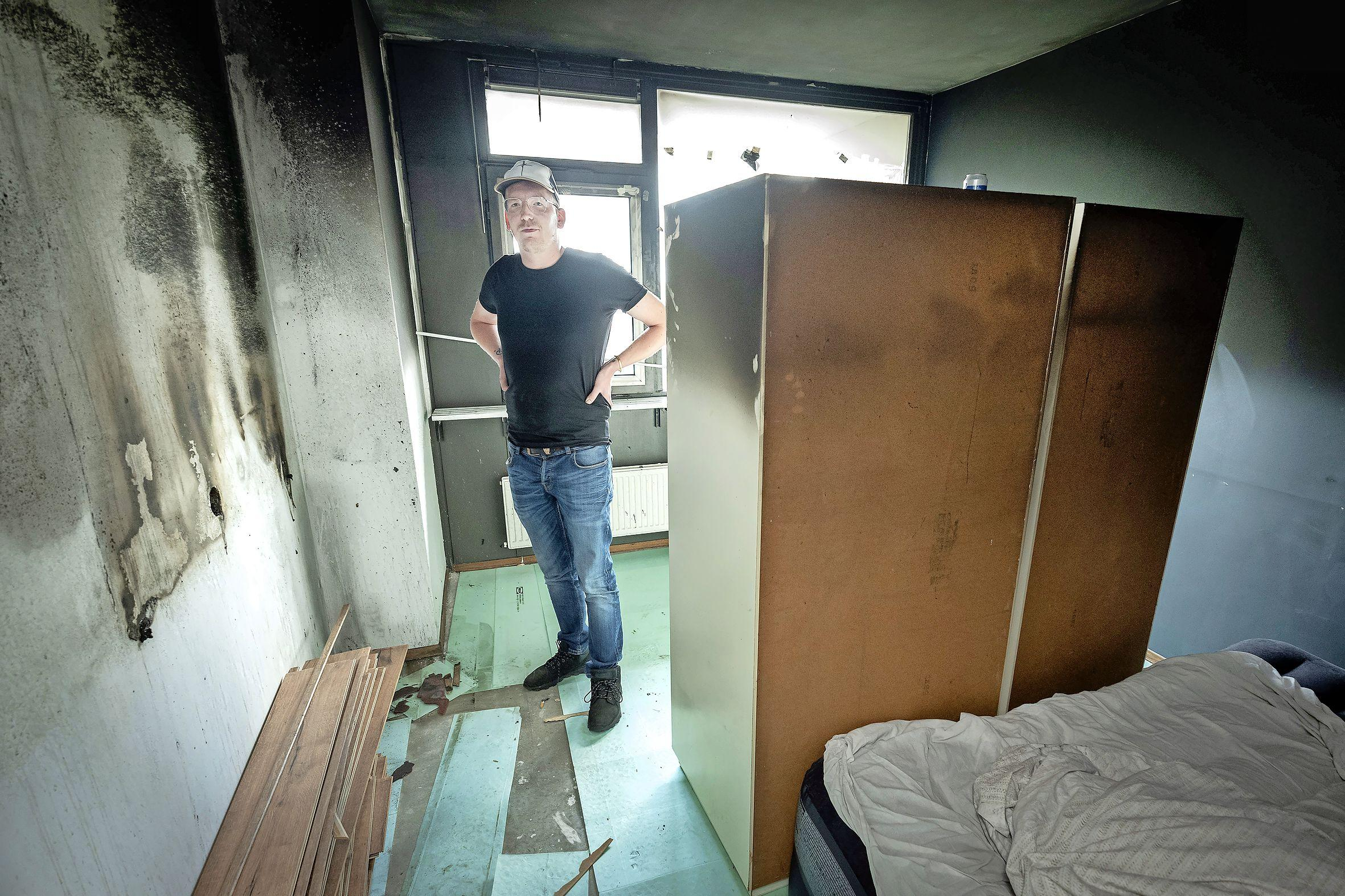 Virgil Schouten ziet zijn flatwoning in vlammen opgaan. 'Voor hetzelfde geld was ik gestikt in m'n slaap'