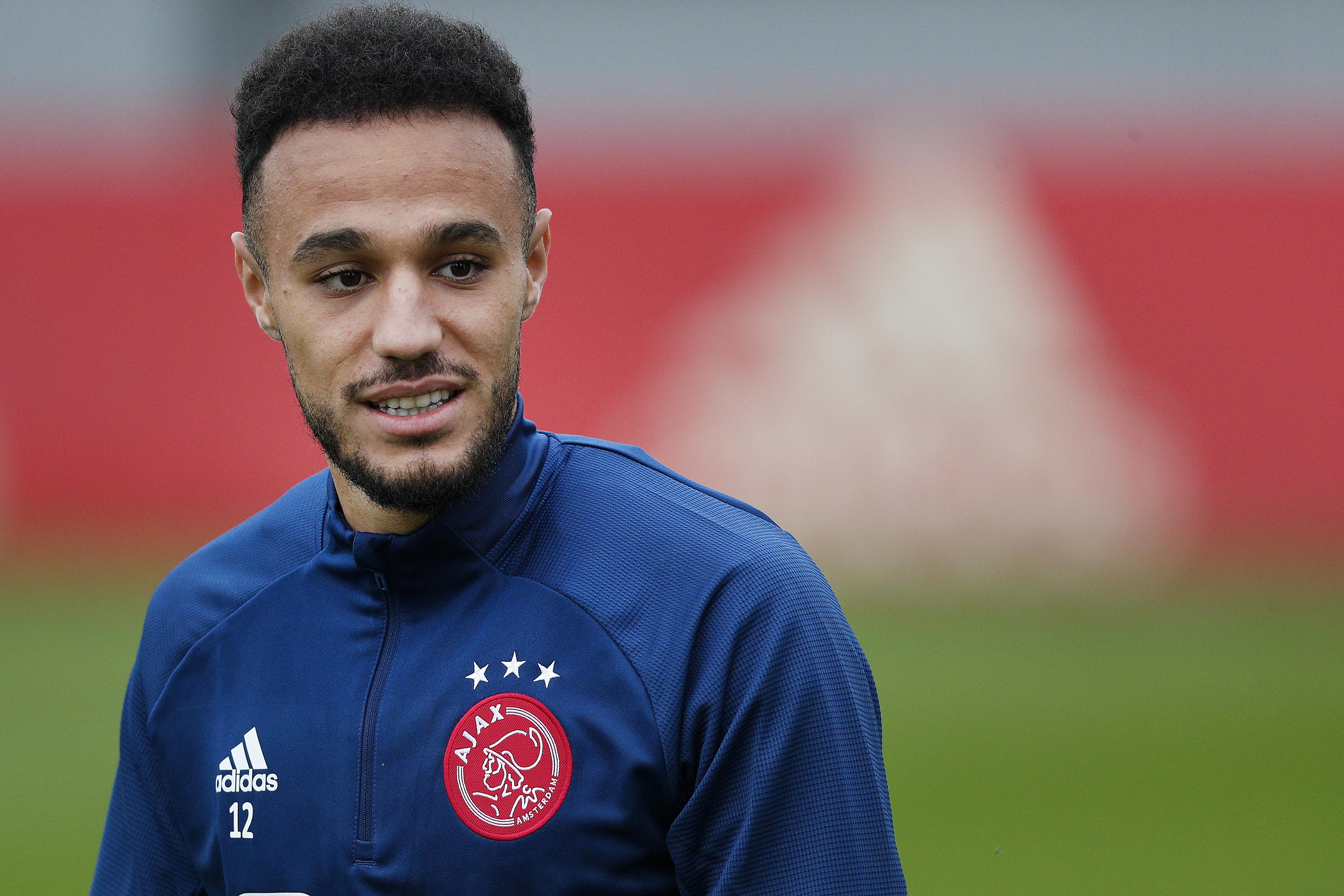 Ajacied Noussair Mazraoui heeft zich na veel blessureleed terug geknokt in de basis; 'dikke streep onder vorig seizoen'