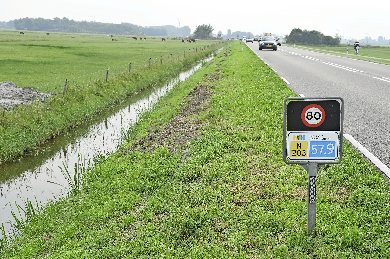 Uitgeest Lokaal wil snelheid omlaag op stuk provinciale 'dodenweg' N203; van 80 naar 60 kilometer per uur