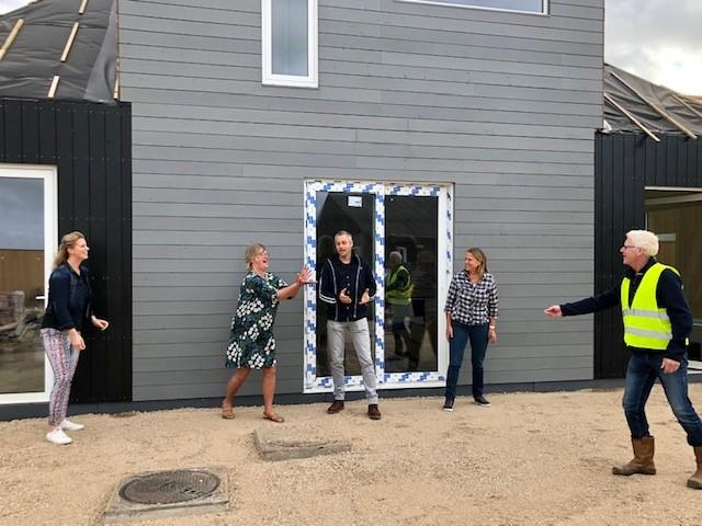 Gezamenlijk Erfhuis in De Tuunen opgeleverd aan 'Tante Jans' en jongeren Novalishoeve