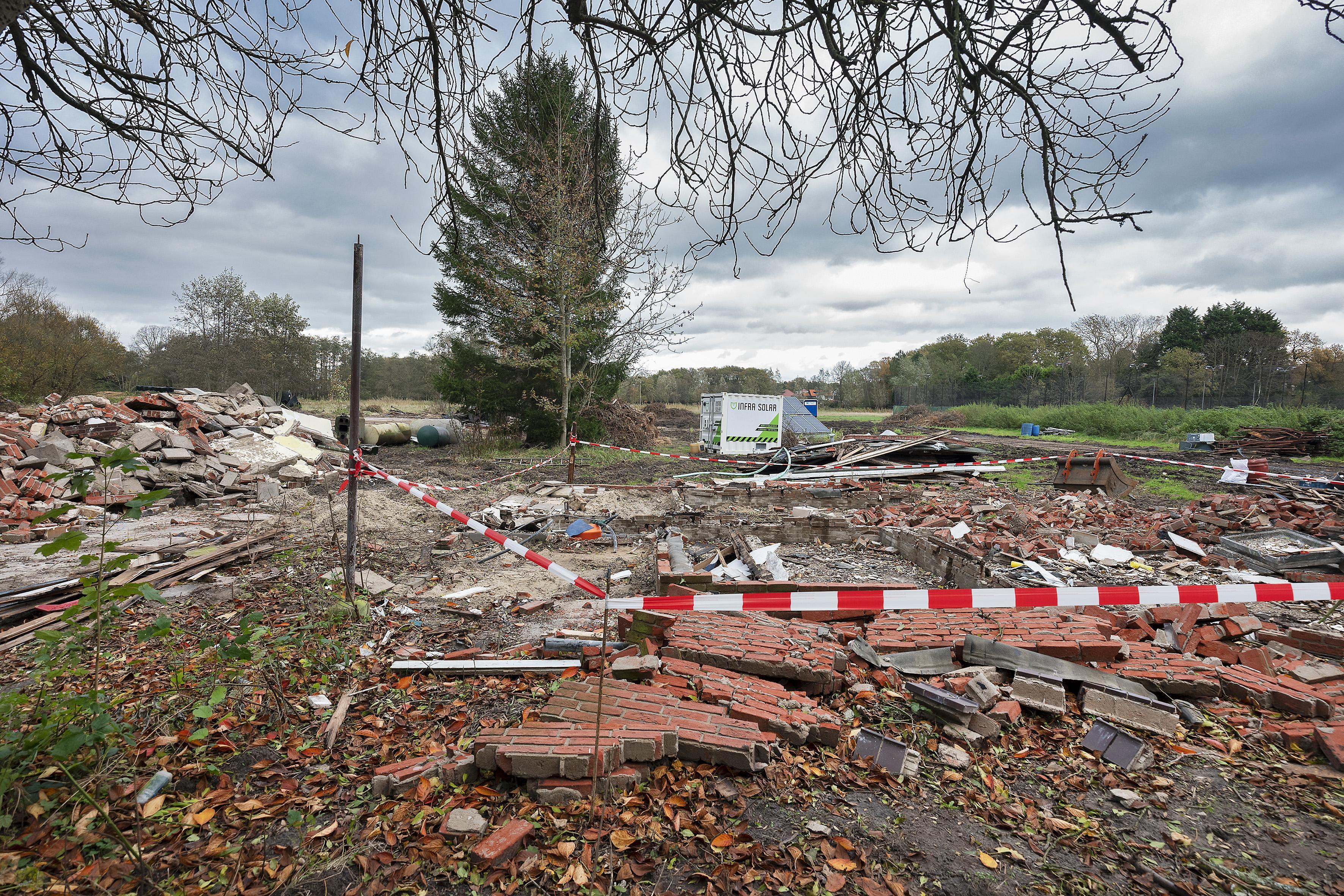 Villa's naast Ruïne van Brederode in Santpoort-Zuid is 'vloeken in het landschap'