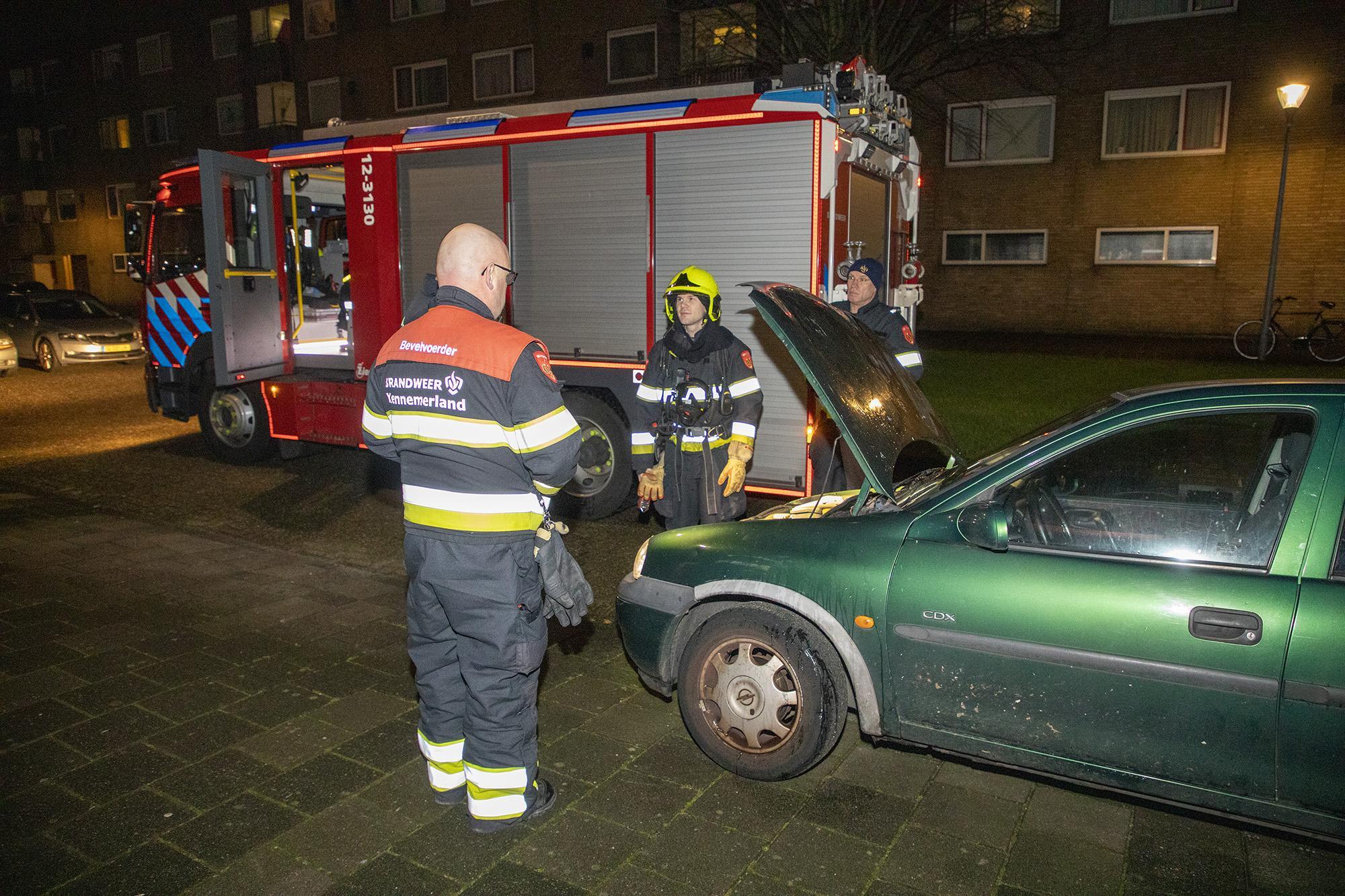 Geparkeerde auto in brand in Haarlem