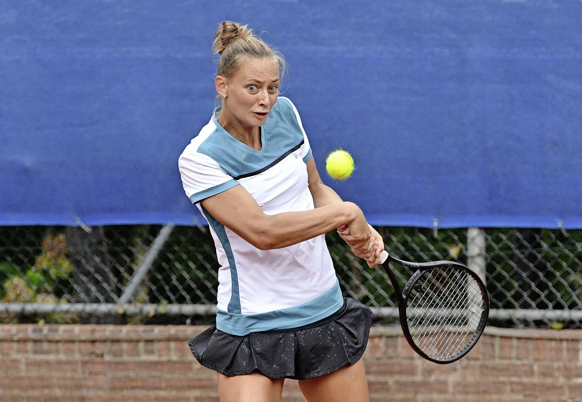 Cindy Burger is titelverdediger tijdens ITF World Tennis Tour in Alkmaar. Volendamse vindt het na lange stilstand door blessures belangrijk om wedstrijdritme op te doen