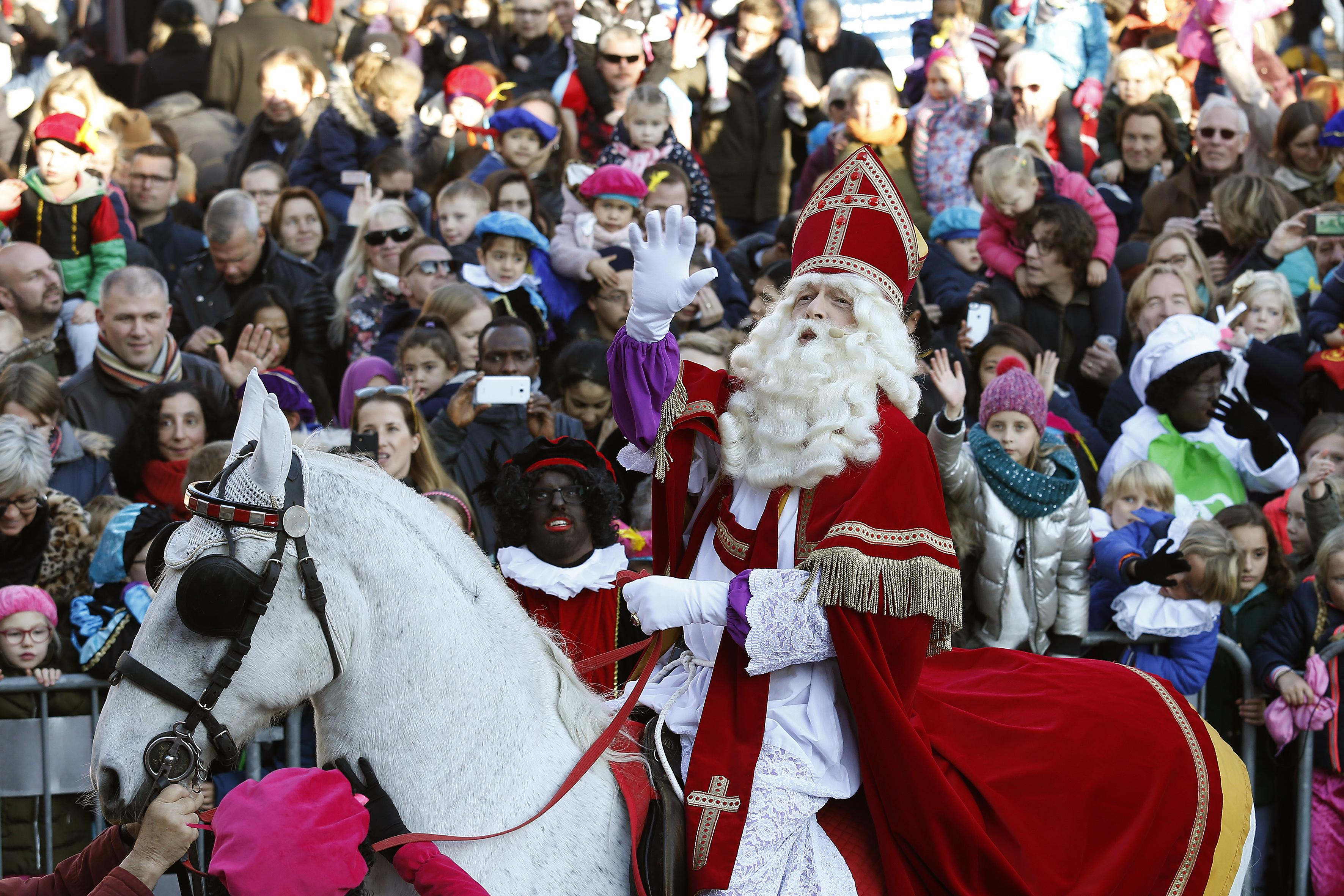 Hilversum onthaalt Sinterklaas tumultueus