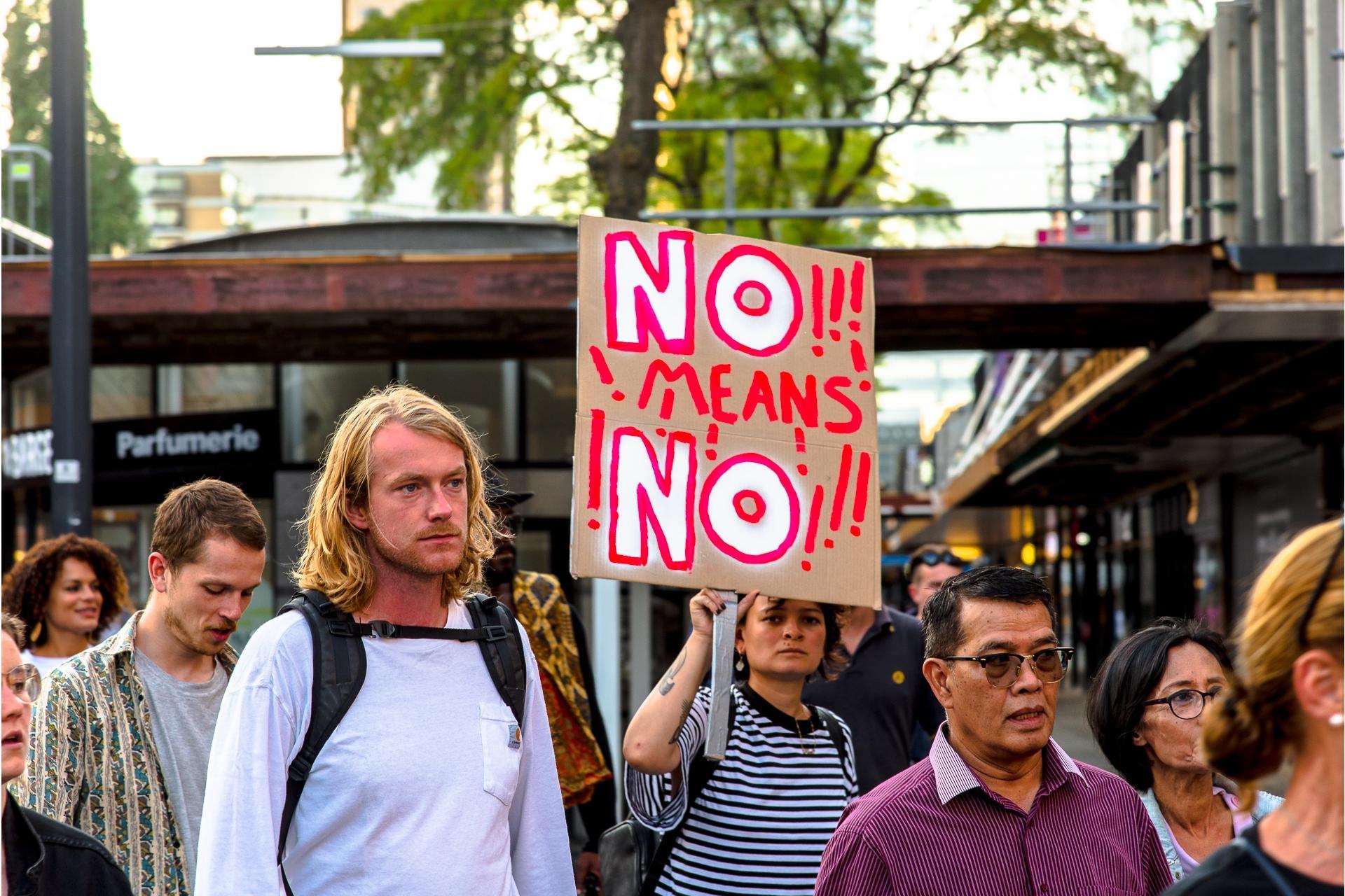 'Geen duidelijk nee' is een excuus voor verkrachting, vindt een op de vijf jonge mannen in Nederland