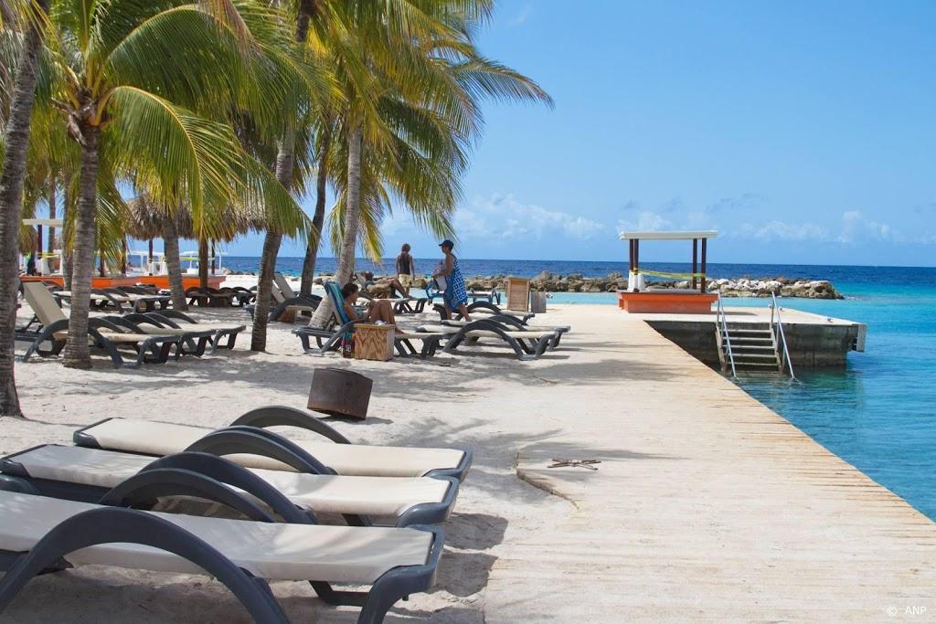 Blok en Knops: Curaçao heeft niet gevraagd om code geel te houden