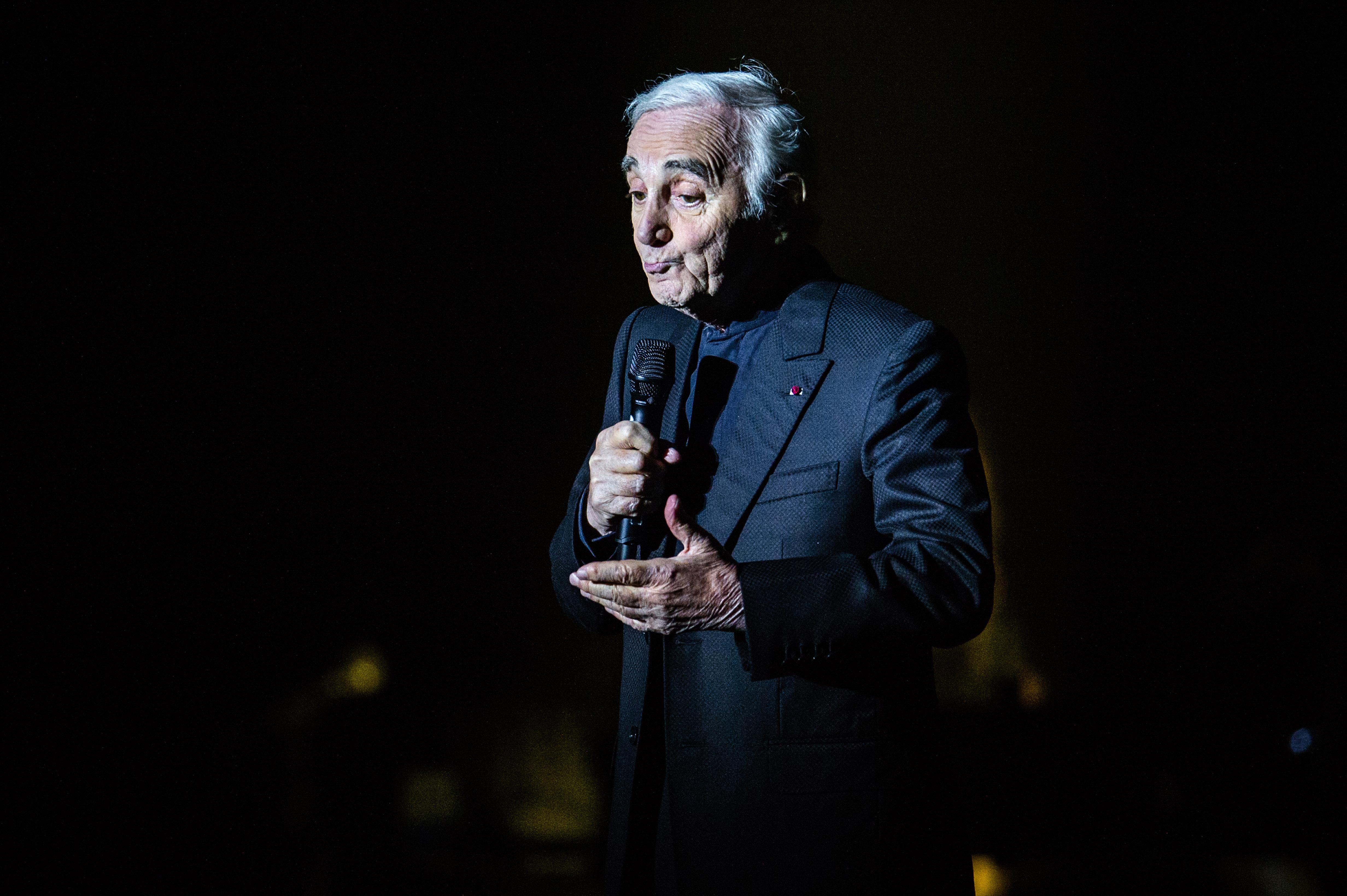 Publieke omroep eert overleden Charles Aznavour